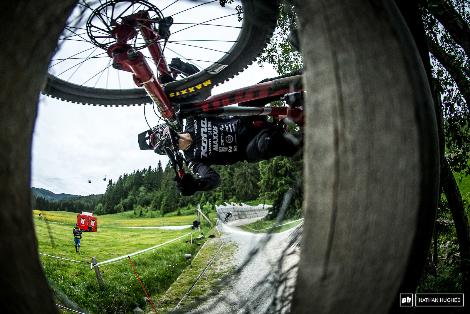 Connor Fearon is never not killing it here in Leogang but he ll need to squeeze out a couple of extra milliseconds to hit the podium again. 6th today.