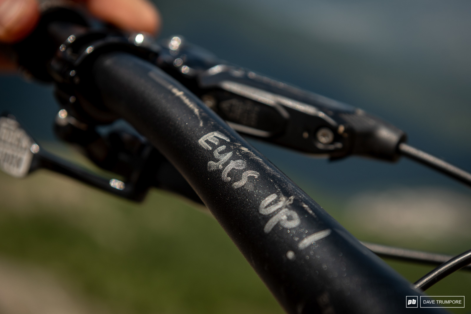 Keegan Wright's Devinci Spartan - Eyes up
