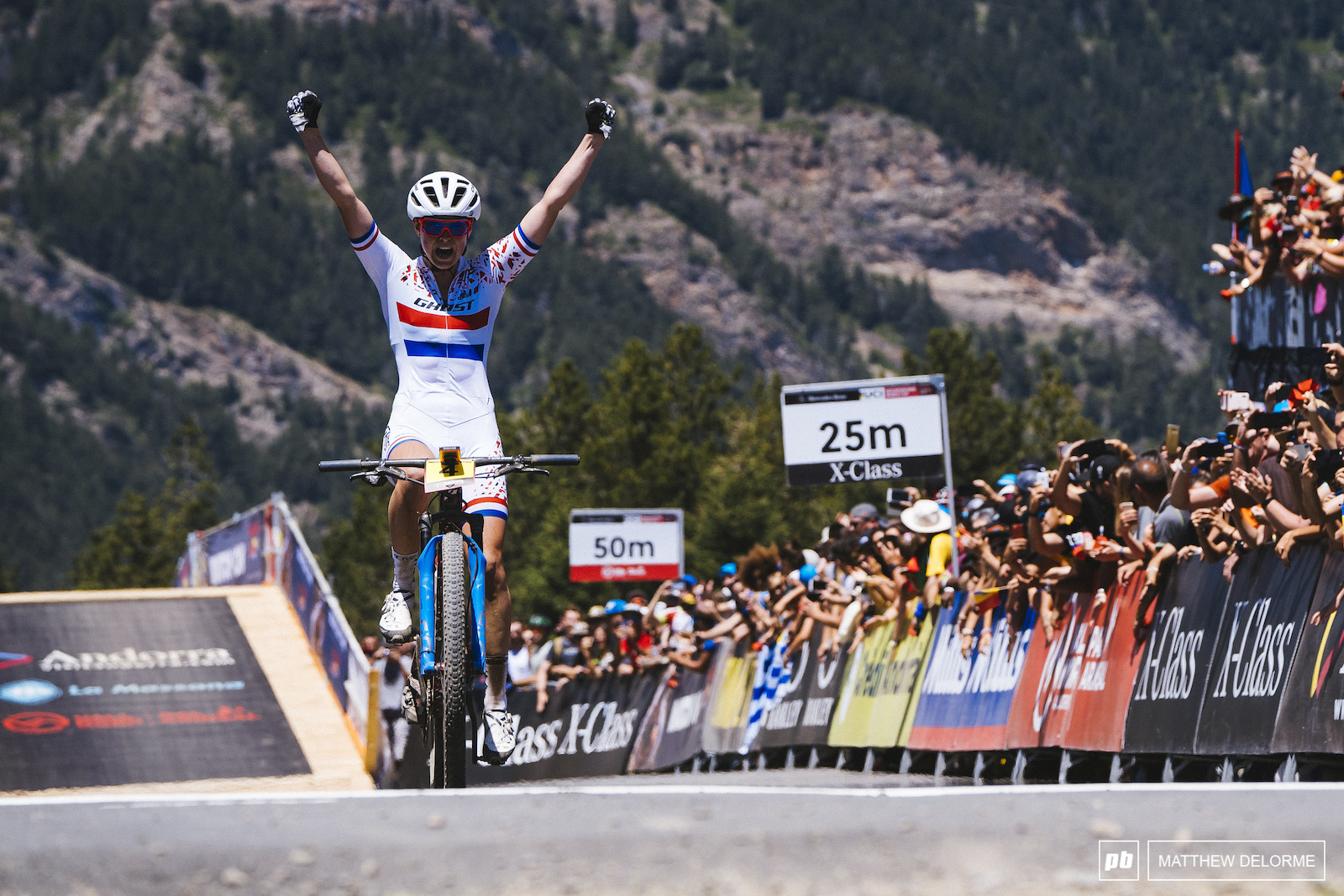 Anne Terpstra pulls of a stunning win in Andorra.