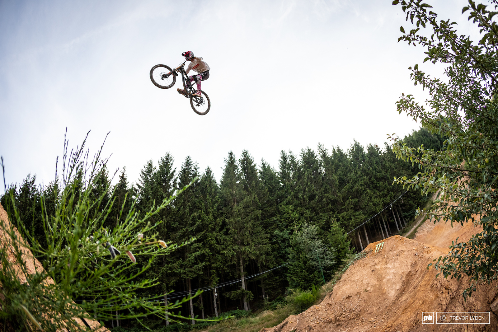 Kaos looking right at home on the big jumps.