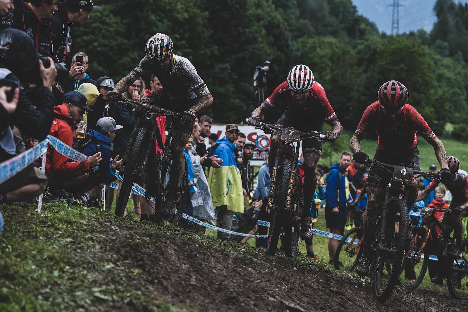 Big battles in the slop between Nino and Ondrej Cink.