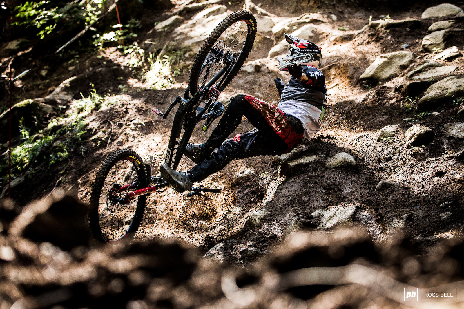 Lucas Cruz s hopes of the podium were dashed in a big crash. We were glad to see him get up unscathed and finish off his run.