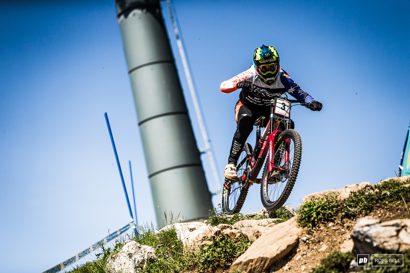 Troy Brosnan has switched back to a full 650b setup this weekend and it looks to be paying off.