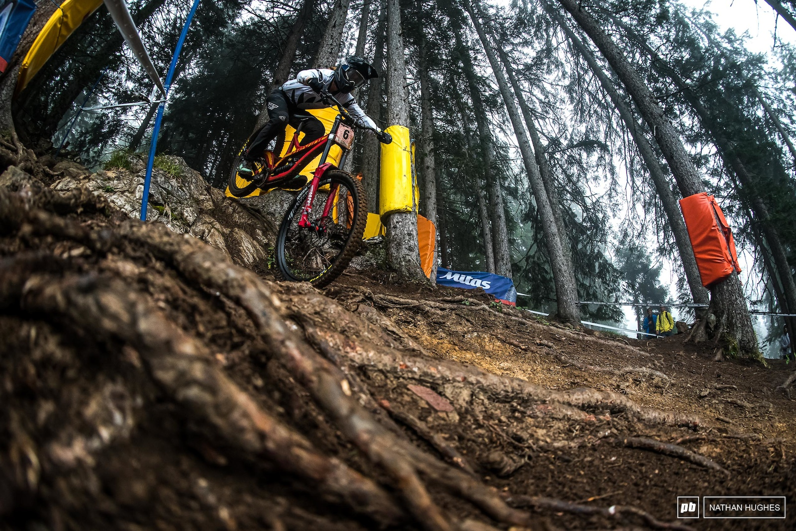 Kate Weatherly struck back with her first podium since Leogang on the slippery Swiss roots.