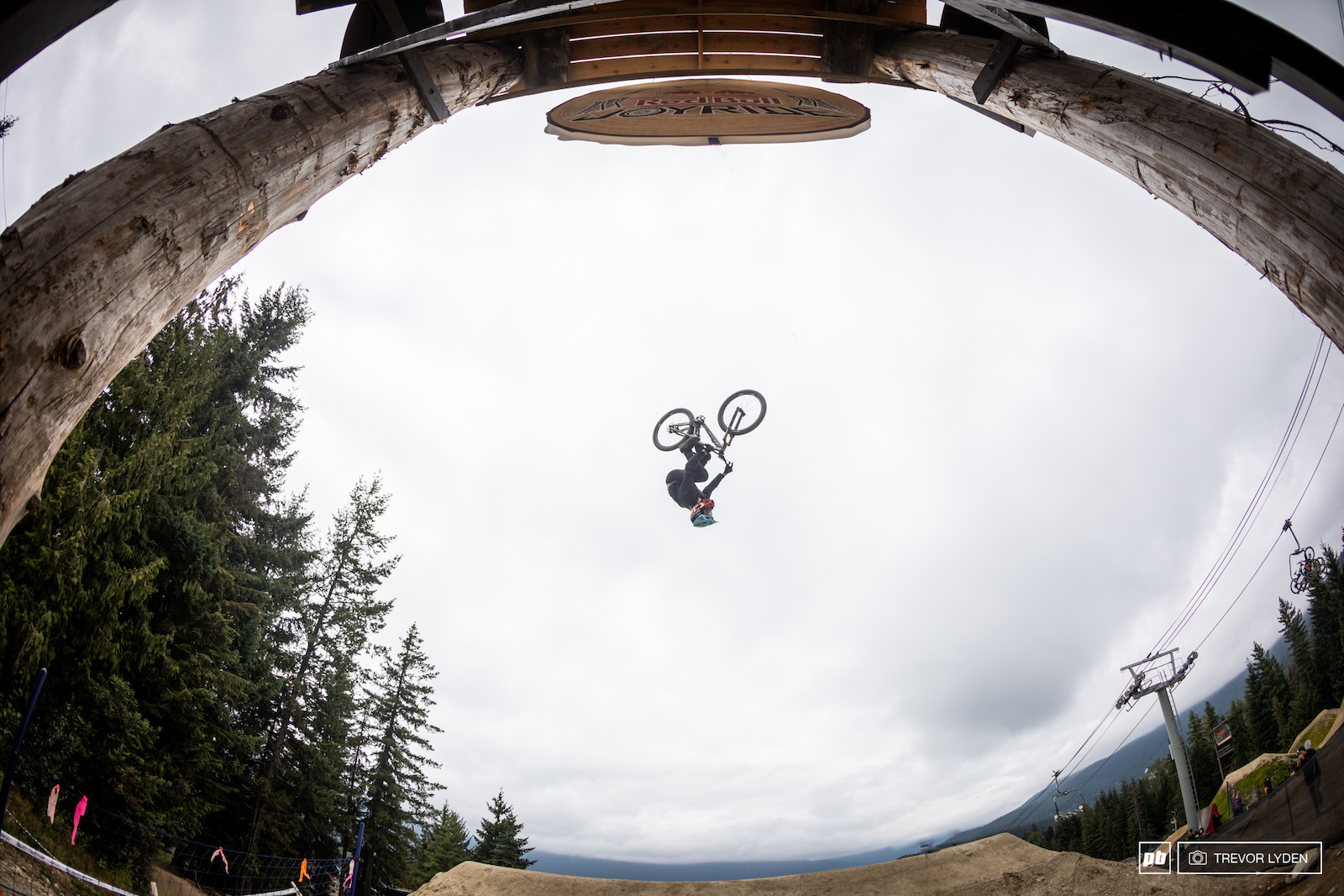 Brett Rheeder has been the most dominant force in slopestyle recently however he couldn t quite put down a fully clean run and ended up in third.