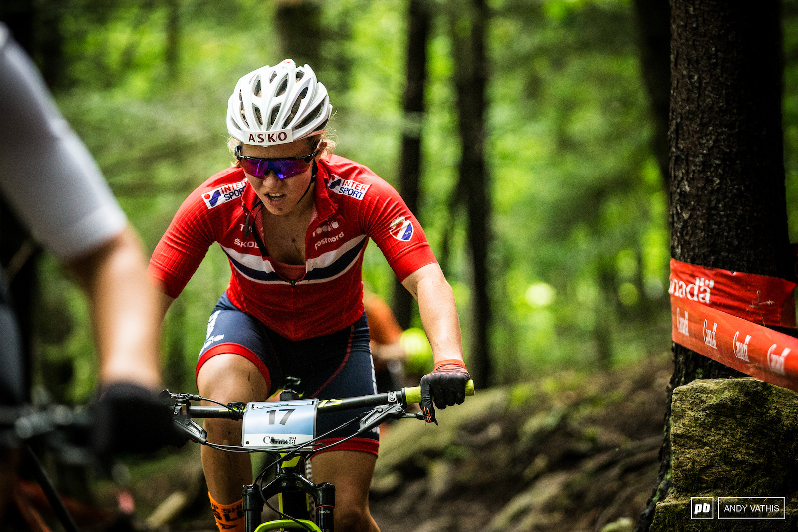 Helen Marie Fossesholm fought her way up the ranks into third. Not an easy feat on this course and with such few laps.