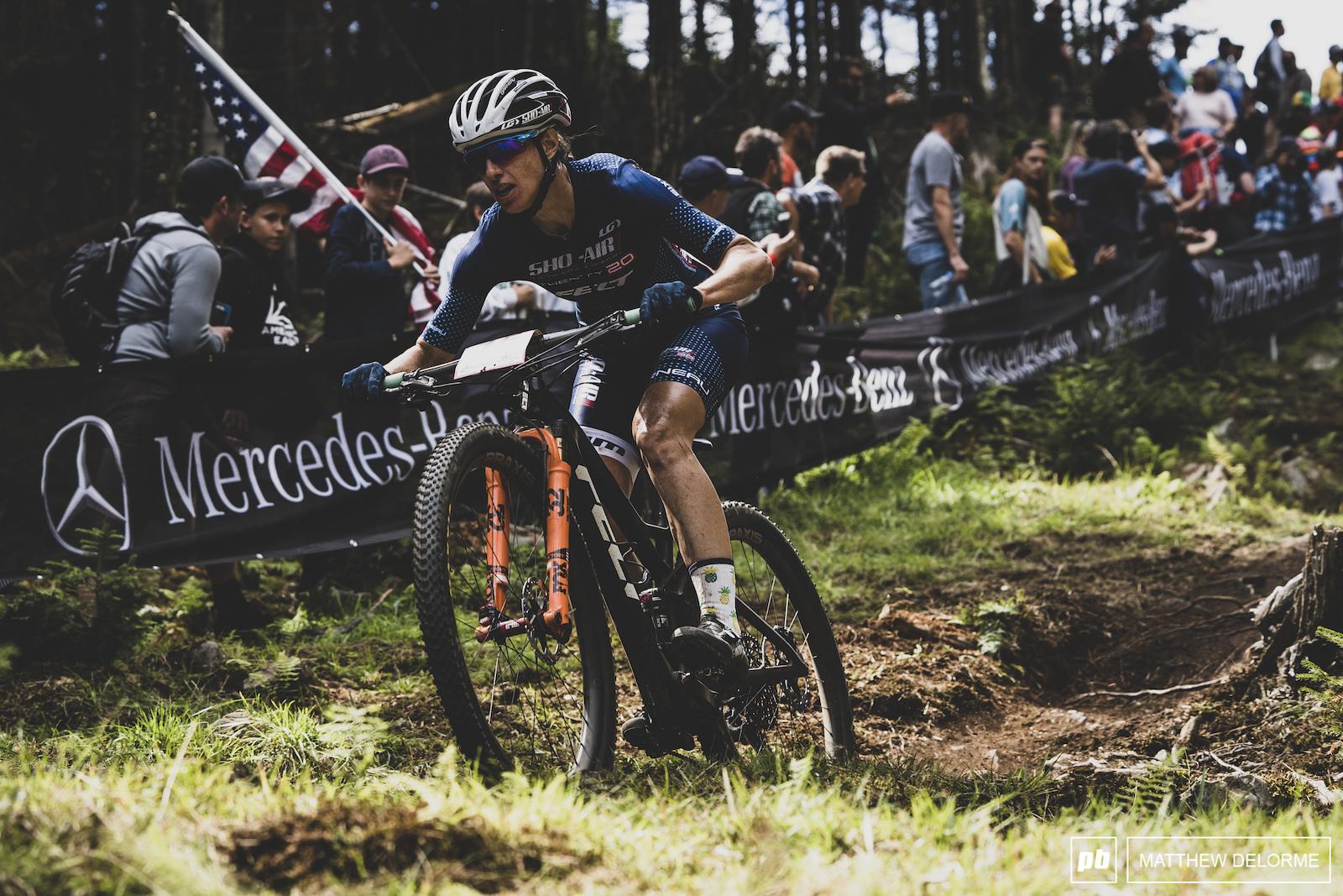 Lea Davison was on a tear to eighth place.