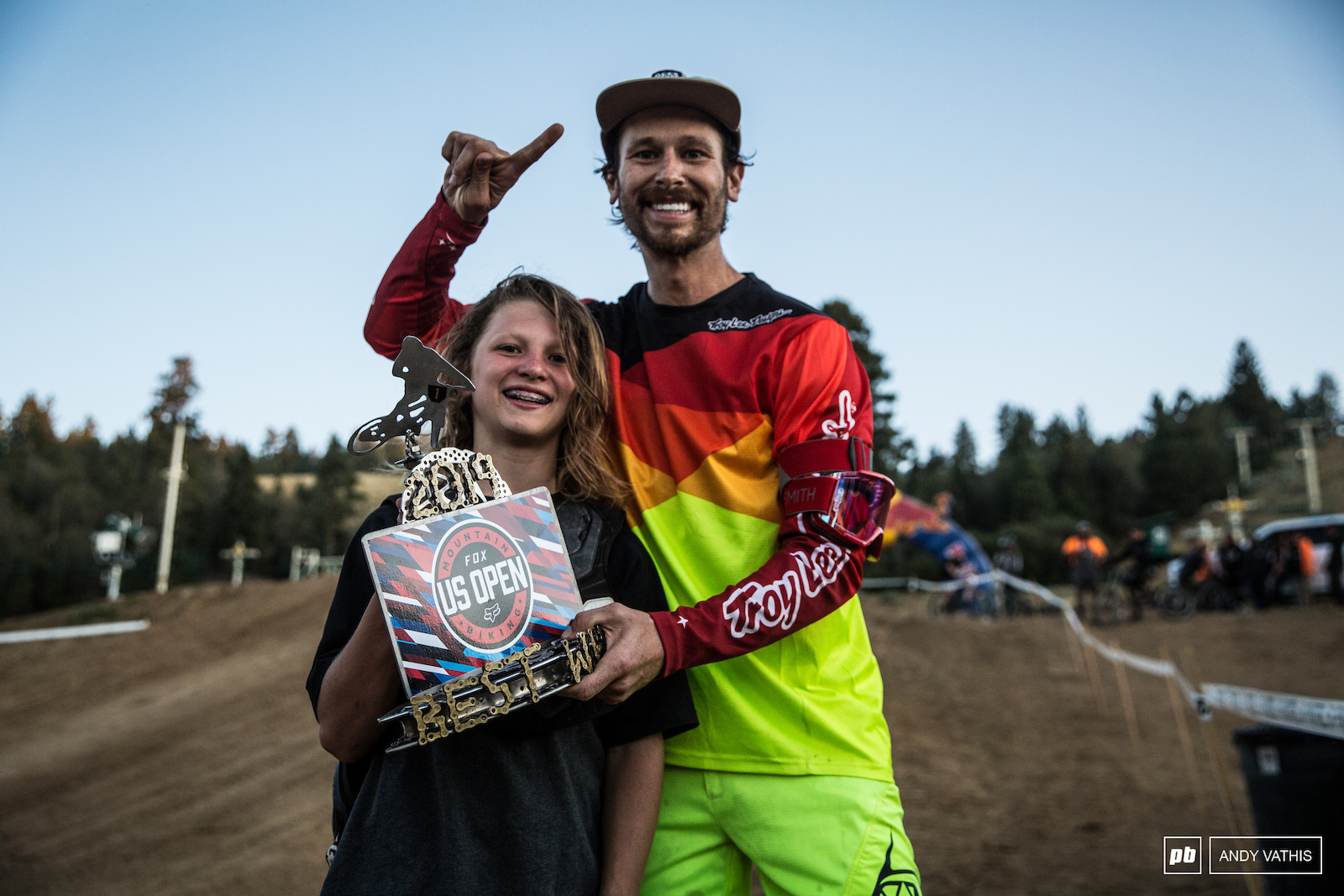 Allan Cooke passing his prize and torch to Ryan Pinkerton king of the Groms after showing everyone how it s done.