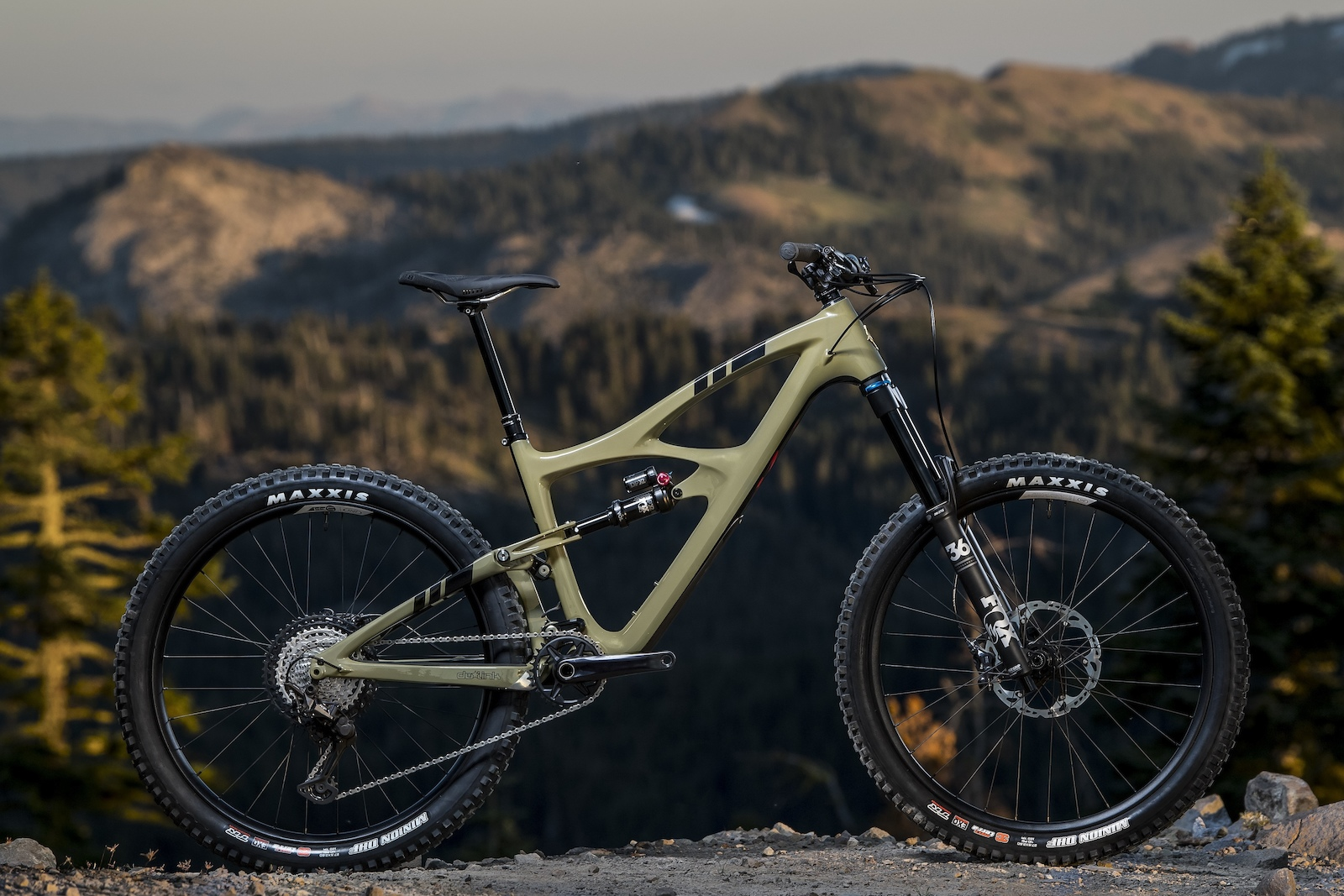 First Look: Ibis' Updated Mojo HD5 Has a Different Approach to Suspension - Pinkbike