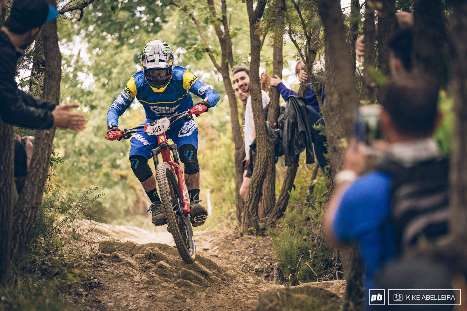 Sam Hill did not hold the winning pace from last week in Zermatt and today he struggled a bit with the pedalling sections.