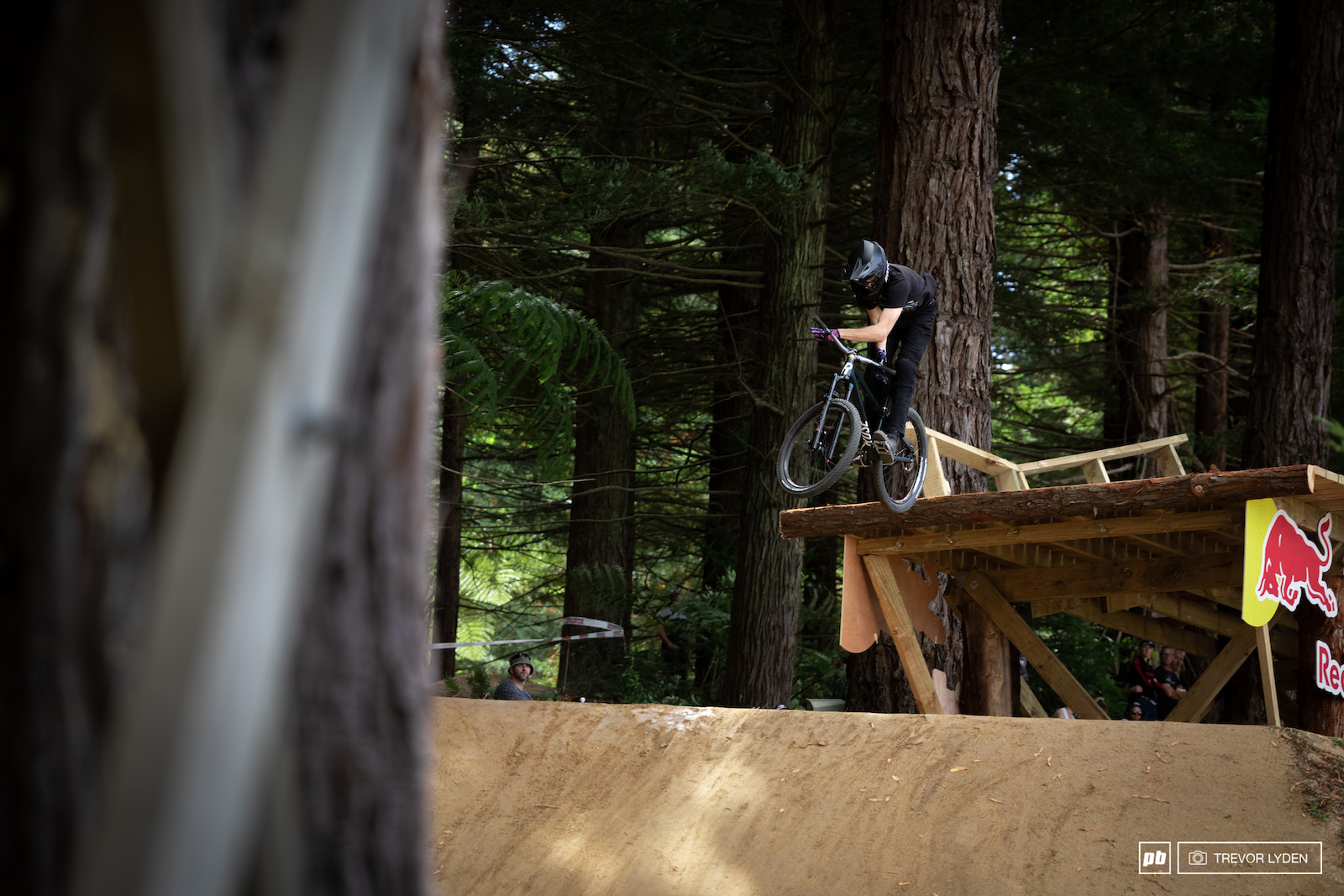 Jakub Vencl barspin on new wood feature.
