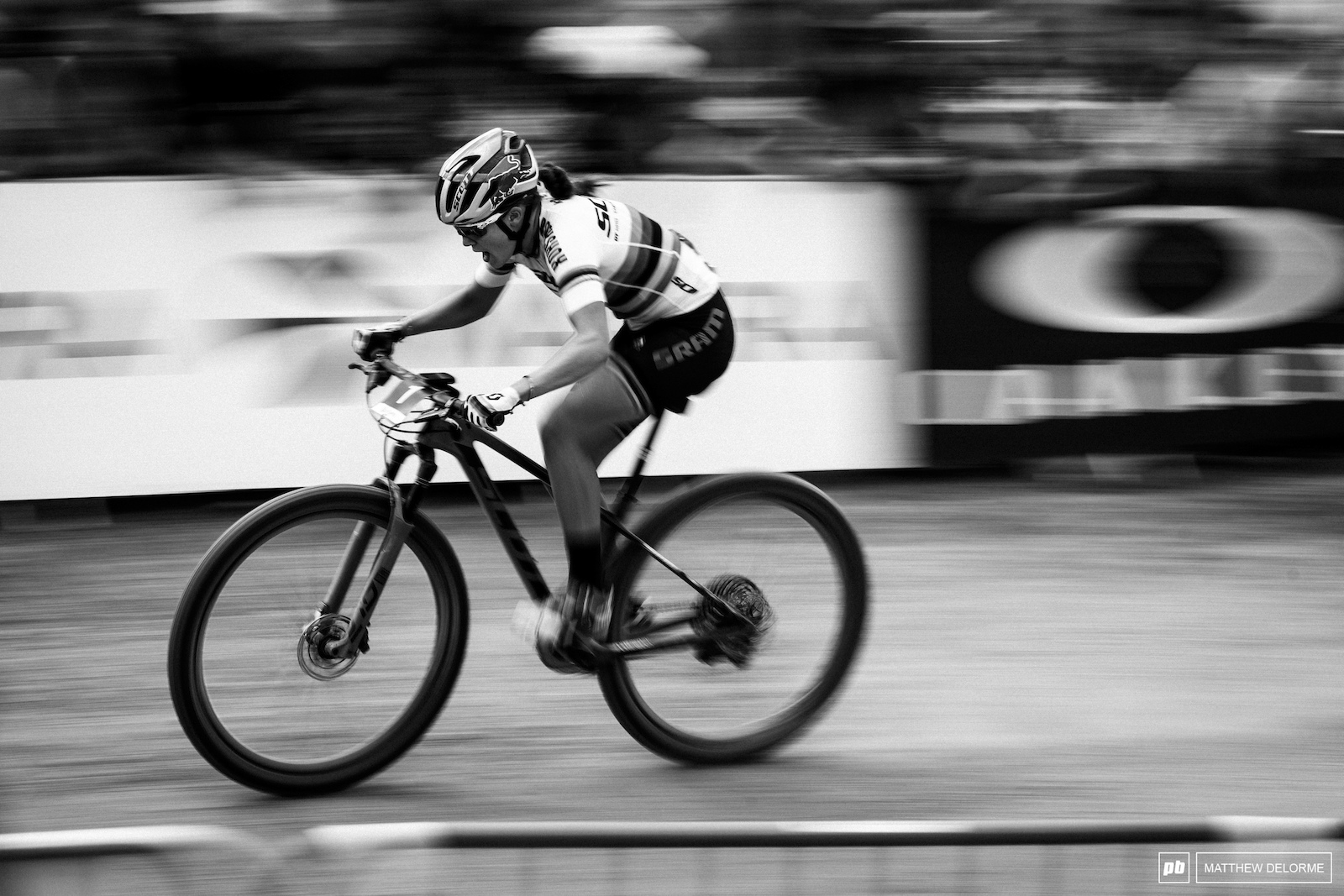 Kate Courtney pushing hard in Les Gets France