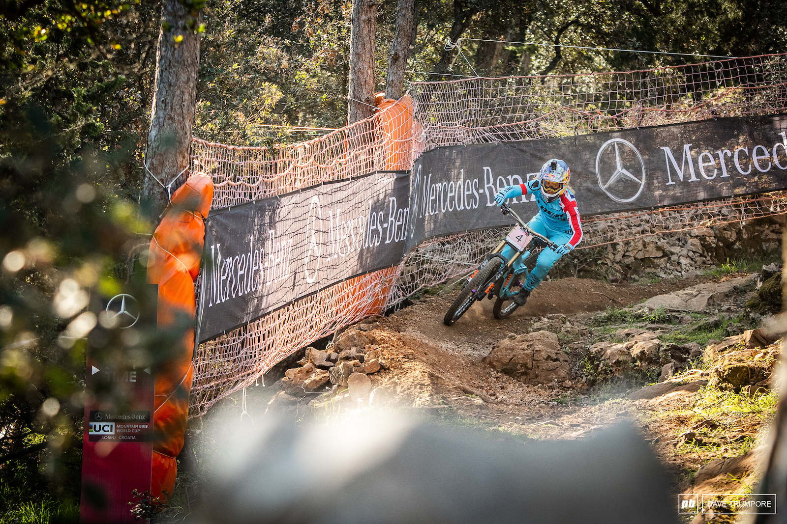 Rachel Atherton at the entrance to the woods. This would be as fast as Loic Bruni would get on his first run of the year dislocating his elbow in the following corner.