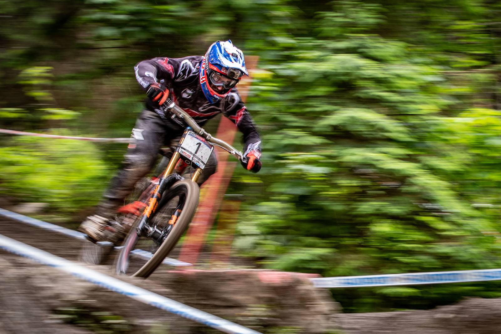 cagreenwood - Aaron Gwin on the charge to 1st place at the 2016 Leogang DHWC.