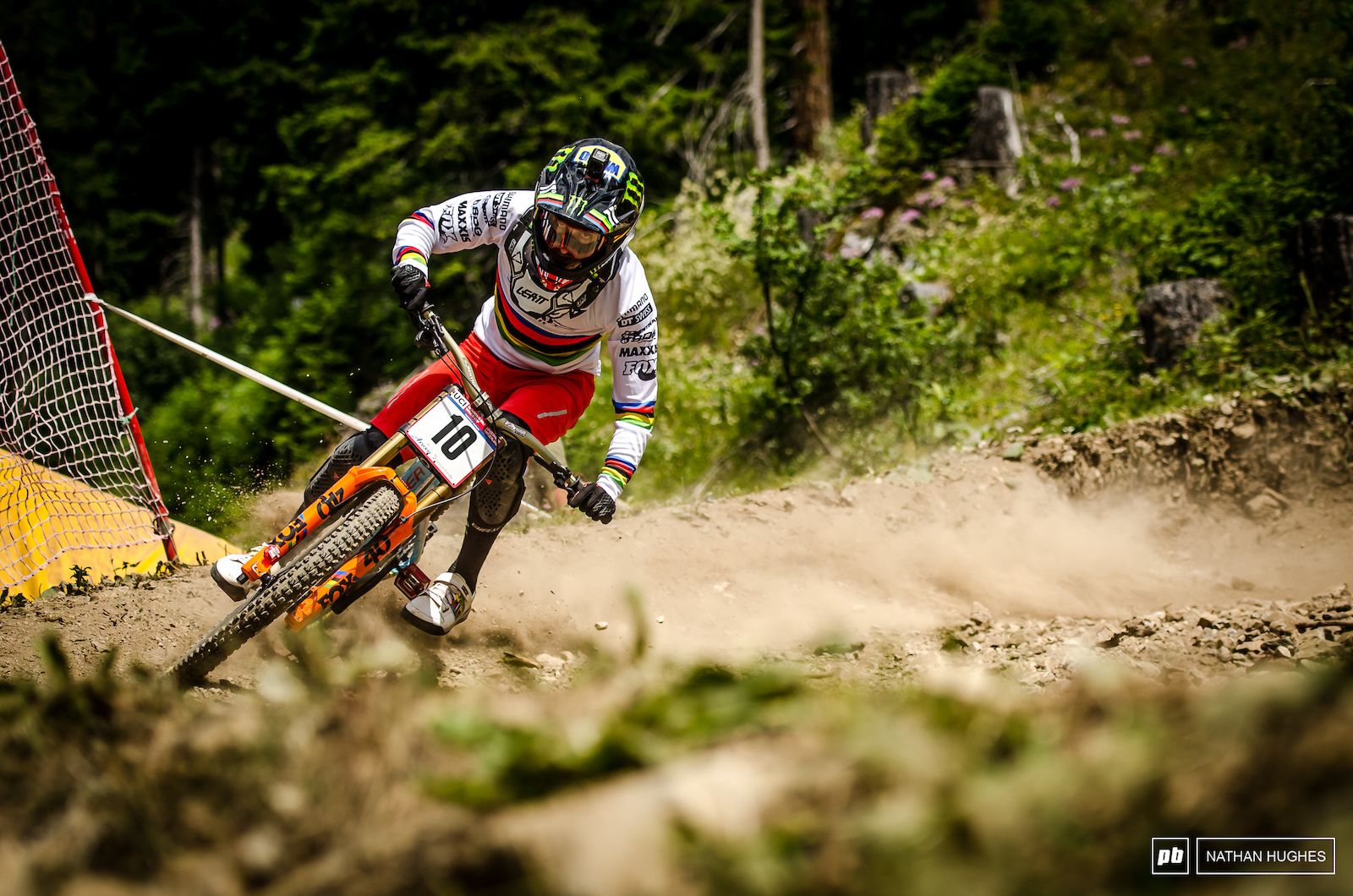 Hart smashing the dusty lower turns during qualifying at Lenzerheide.