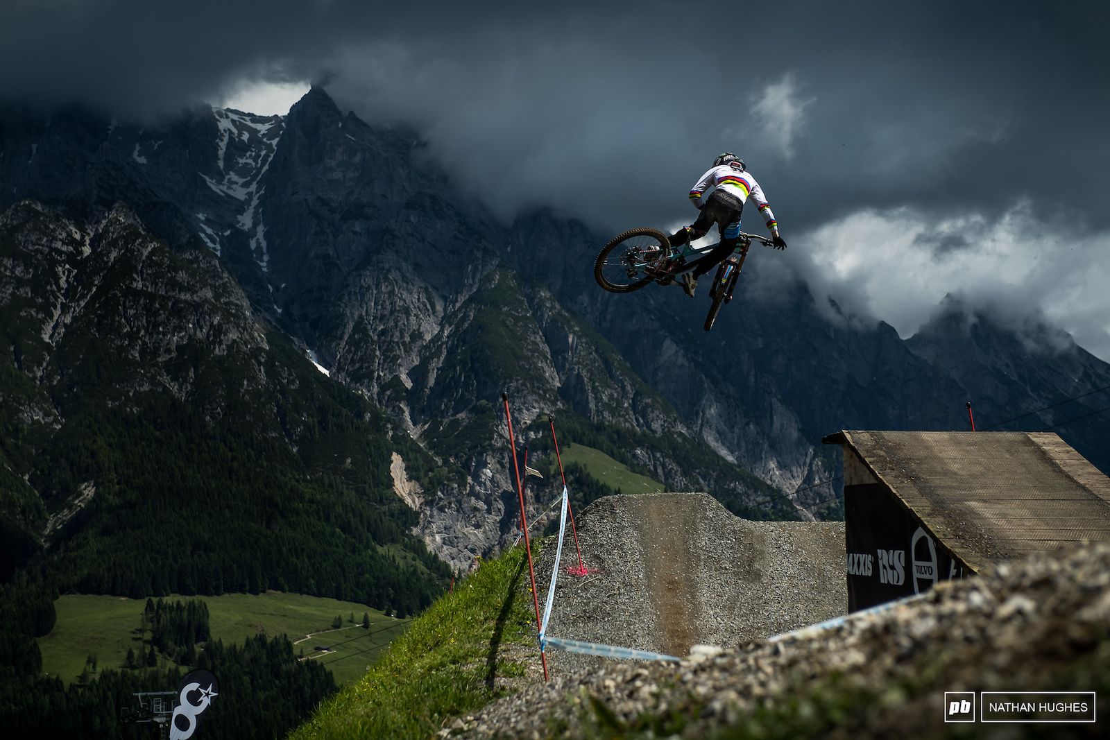 The World Champ just hanging in the ether at Leogang 2017.