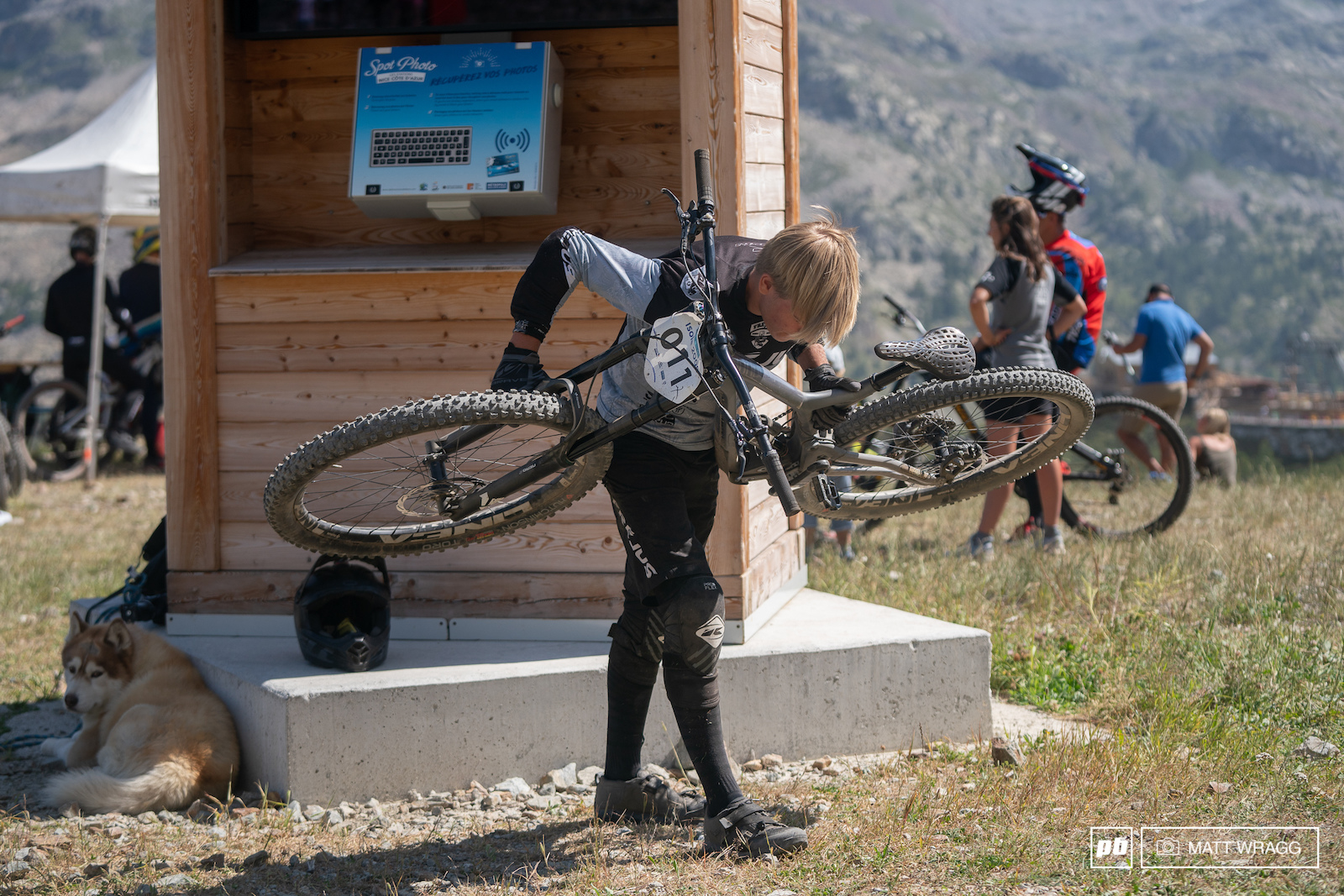 It may look odd doing bent-over rows with your race bike but as part of the Frejus club Jack Piercy is trained by Cecile and Cedric Ravanel and this is part of his pre-race warmup routine.