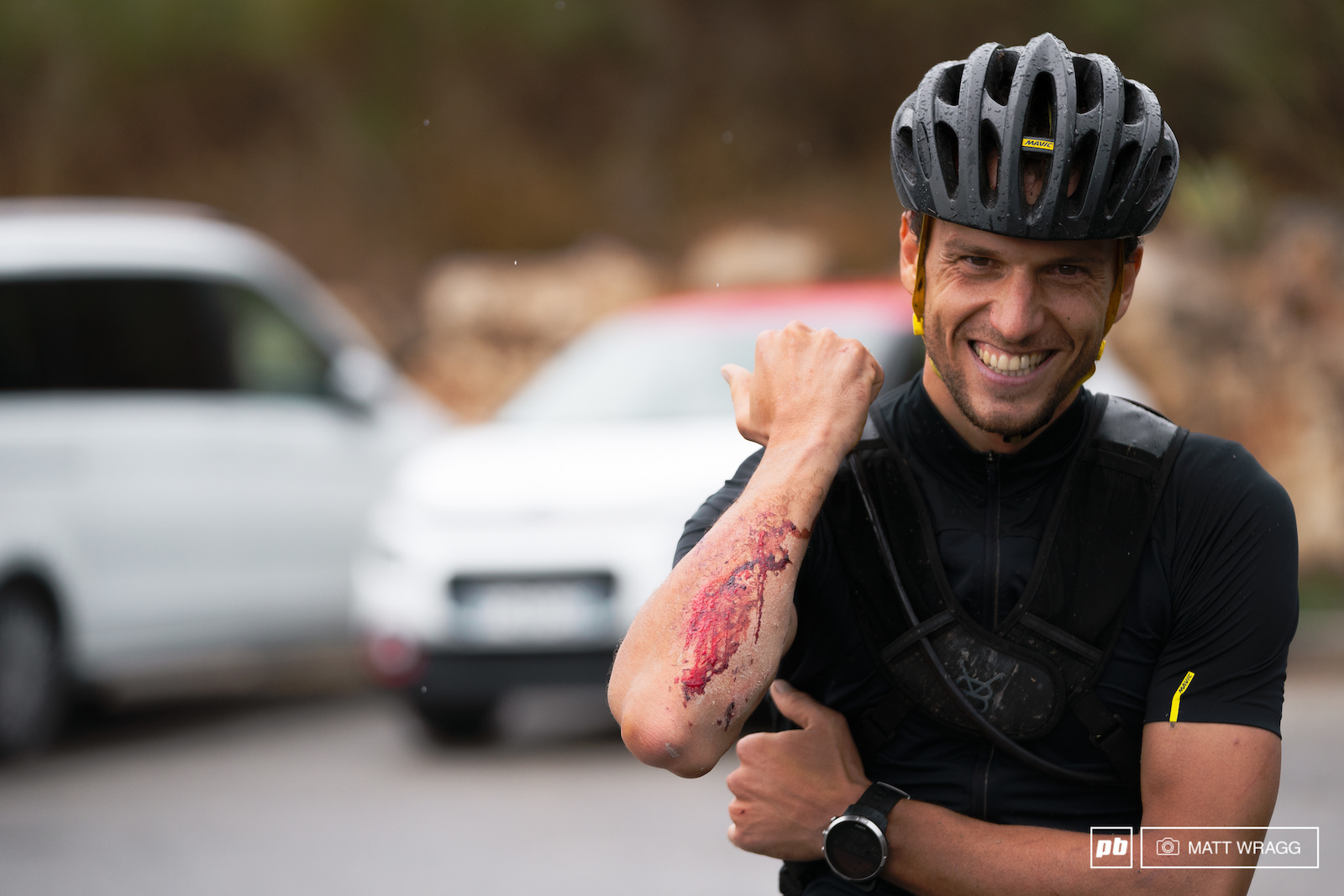 Smiles and scars ofr Alexis Chenevier. After Emeric passed him climbing he managed to hold him in sight for a while but ended up pushing too hard trying to make up time... His seventh victory in this race will have to wait a little longer.