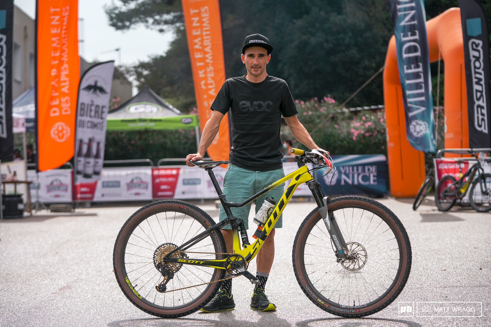 2018 French Marthon champion Emeric Turcat and the Scott Spark RC that took him to his second consecutive victory - for this race he added a dropper post and a 120mm fork compared to his usual racing setup.