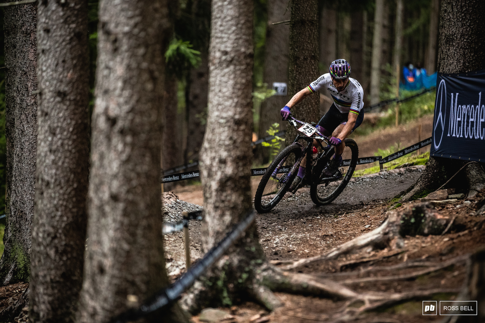 Nino Schurter was slow to get going but once he found his feet he was flying. He ll be confident for Sunday.