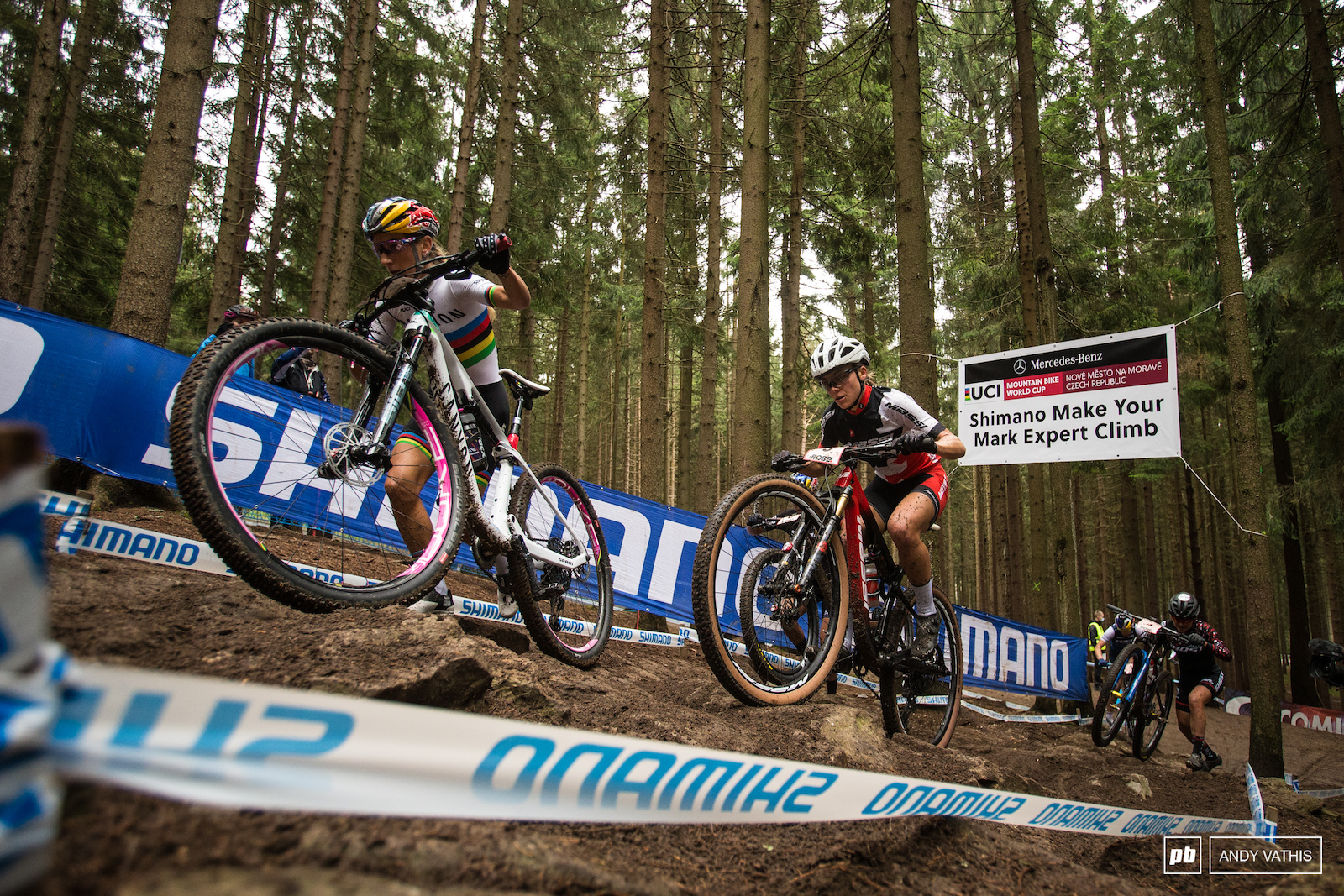 By the time the elite races had begun the rocks in Expert Climb had a decent coating of slippery mud. Pauline Ferrand Prevot was one of many who ran the section instead. Loana Lecomte wasn t having any of that.