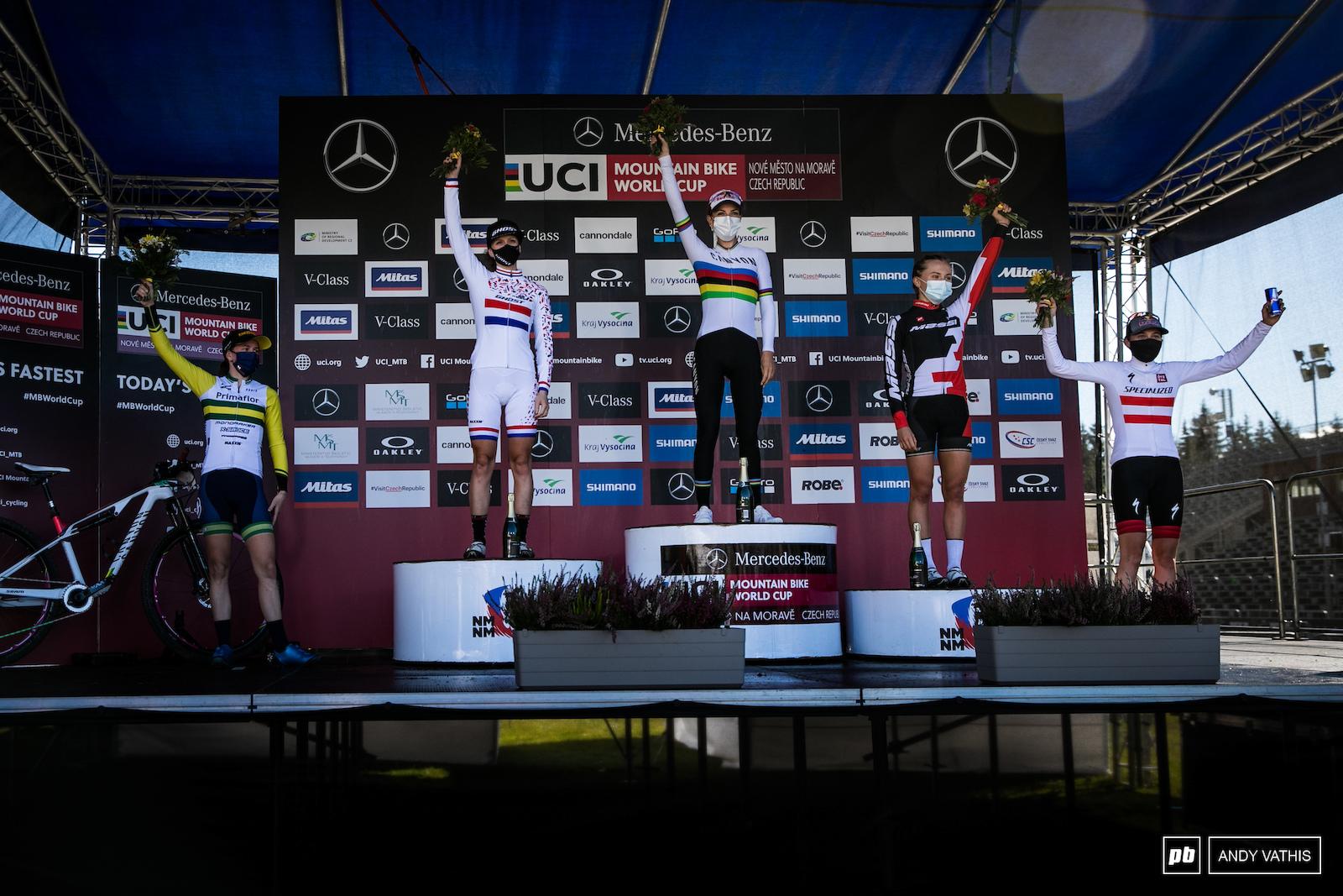 Women s elite podium - Pauline Ferrand Prevot Anne Terpstra Loana Lecomte Rebecca McConnell and Laura Stigger.