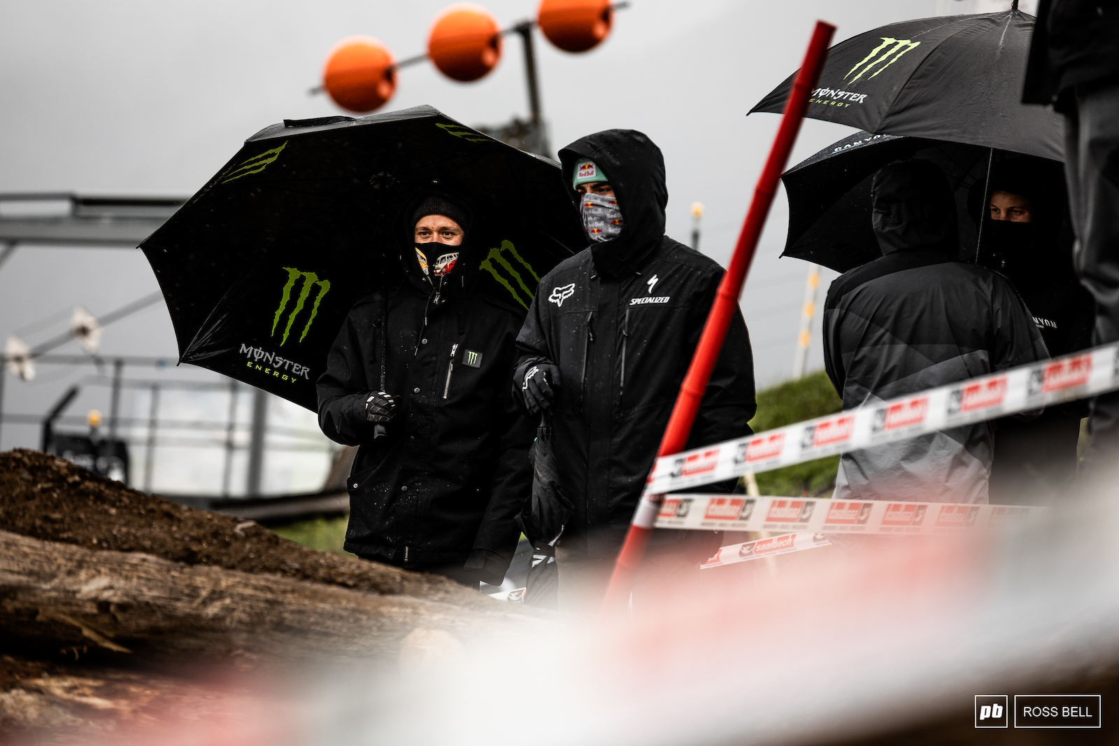 Troy Brosnan and Loic Bruni check out the first few meters of track.
