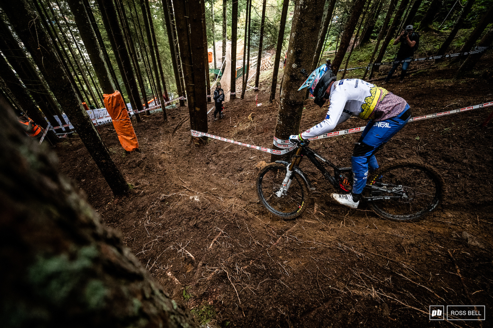 Greg Minnaar getting to grips with the steeps. He won last time we had World Champs in Leogang can he make it 2 from 2