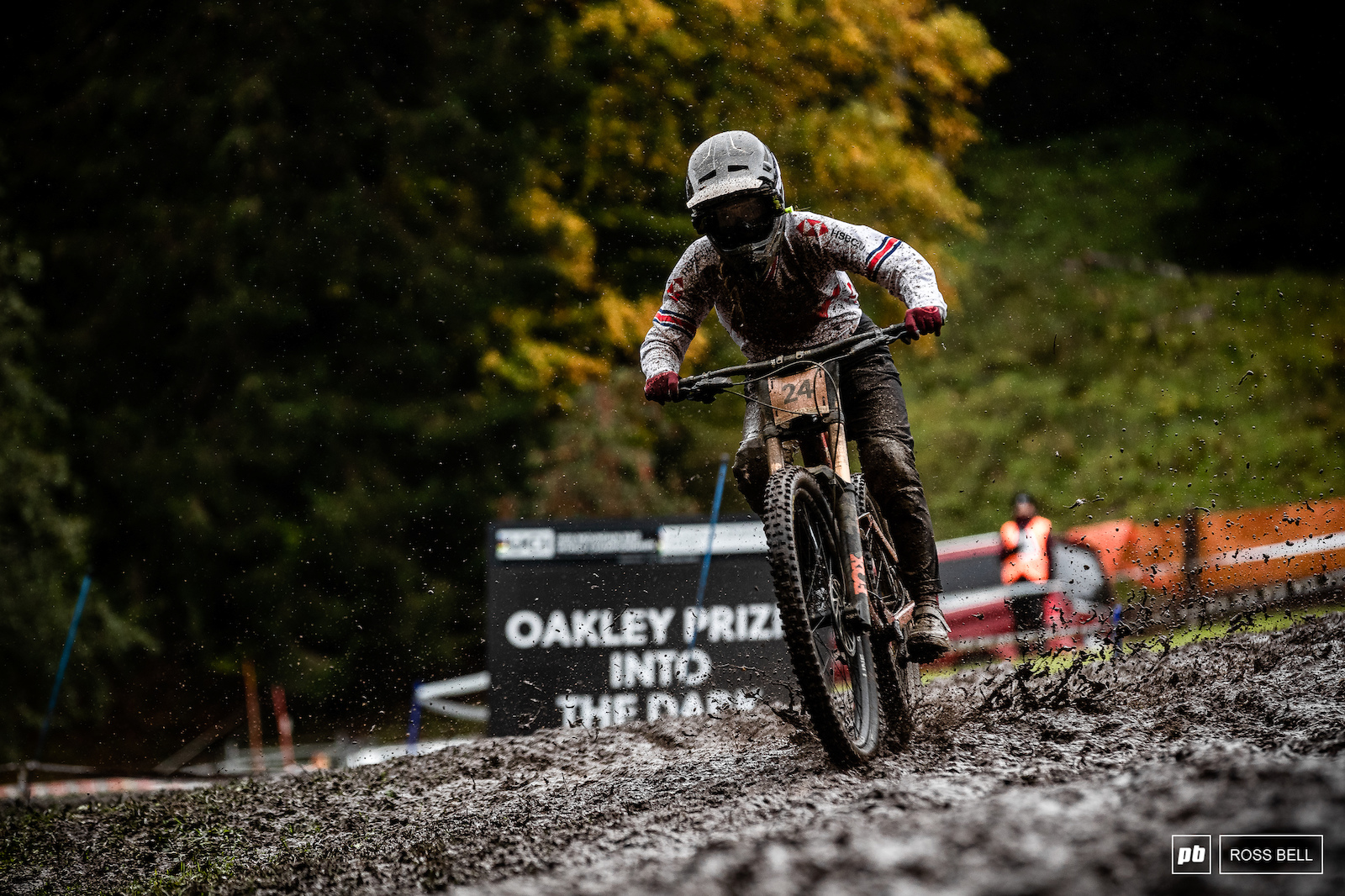 Another Scottish rider doing the business today was Mikayla Parton who felt at home in the sloppy conditions to smash her way into 5th.