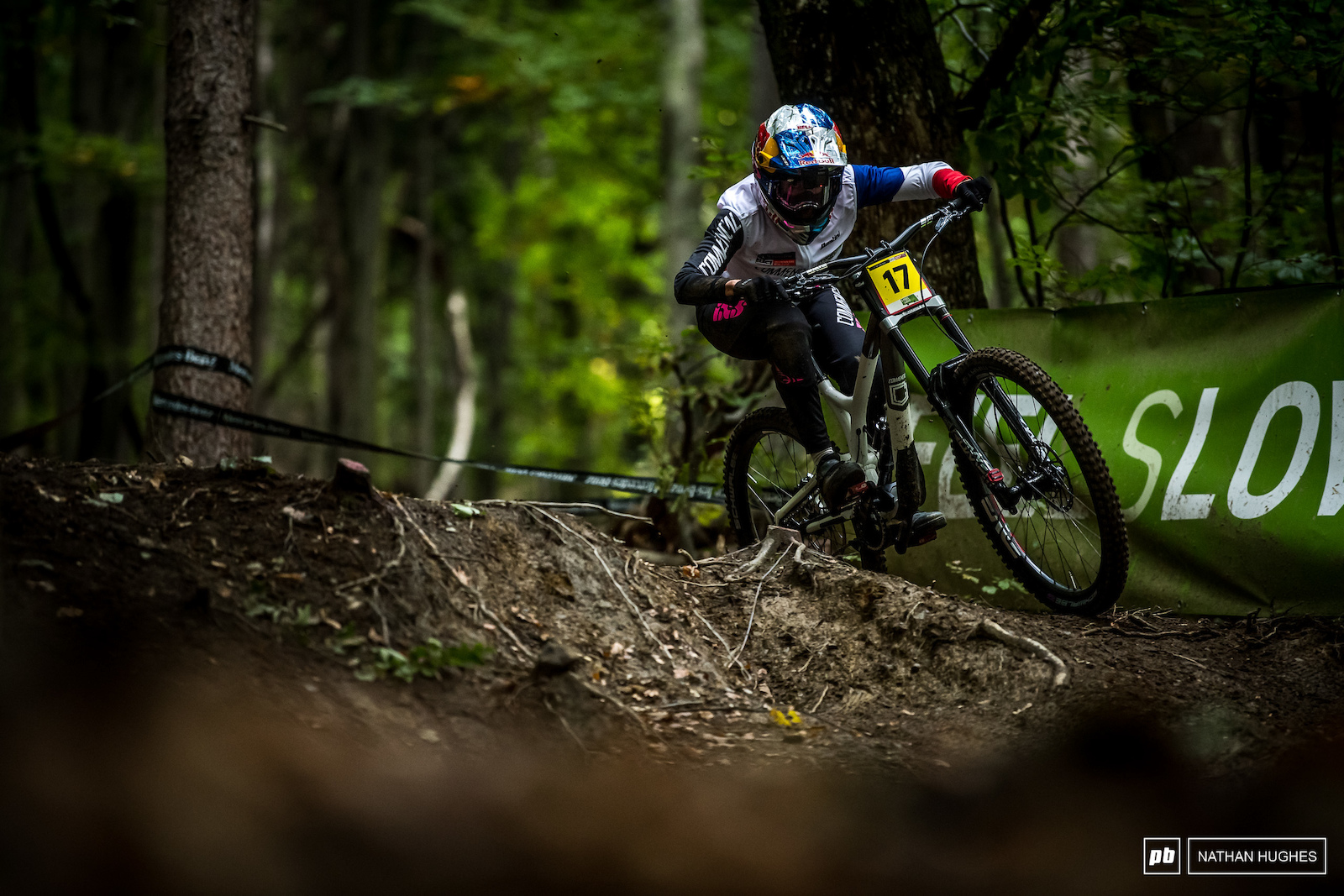 Mistakes cost Myriam Nicole in a field of top-flight female racers deeper than we ve seen in many years. 4th place for the ex-series leader but at least the plate can turn back to single digits heading to Portugal.