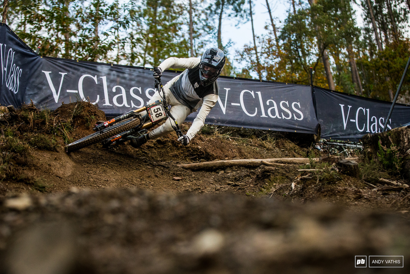Matteo Iniguez tore the track apart today making all the right shapes.
