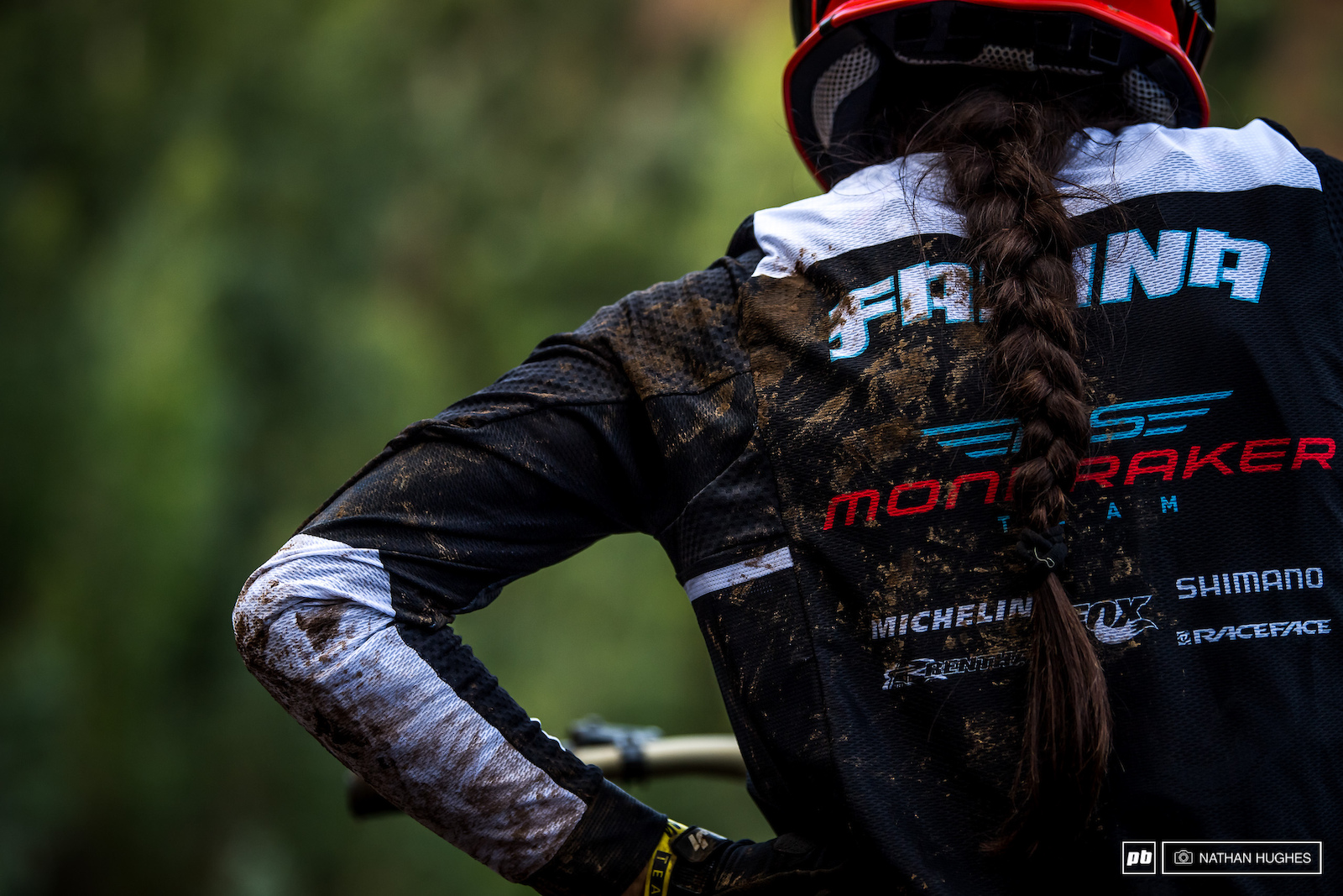 Another big spill for Elenora Farina is definitely sign of how hard she wants this. The rutted road gap landing was causing problems for a few of the top women and also caused an explosive crash for Hoffmann.just before qualies.