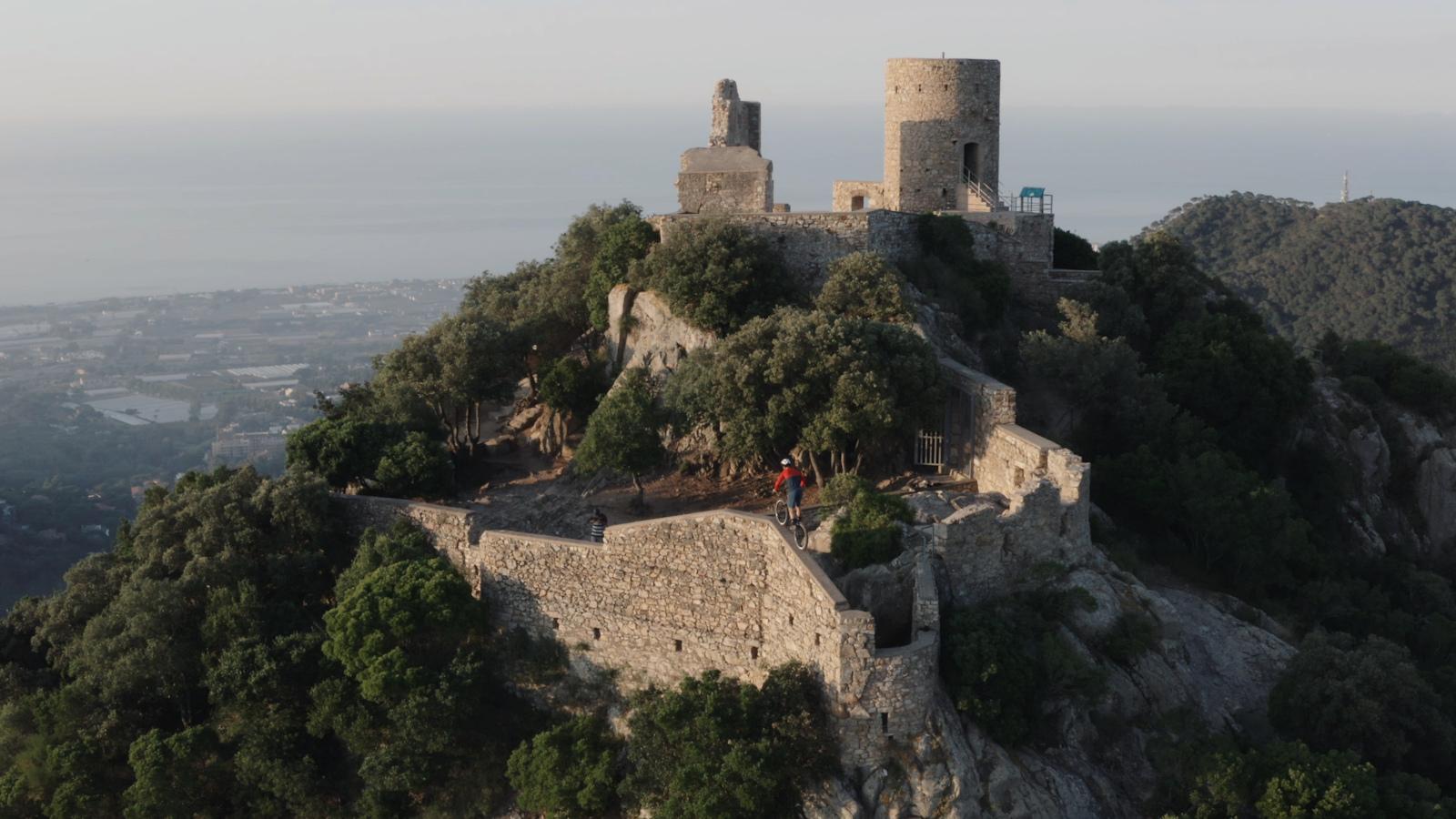 Pol Tarr s Martrat in Burriach Castle s Wall