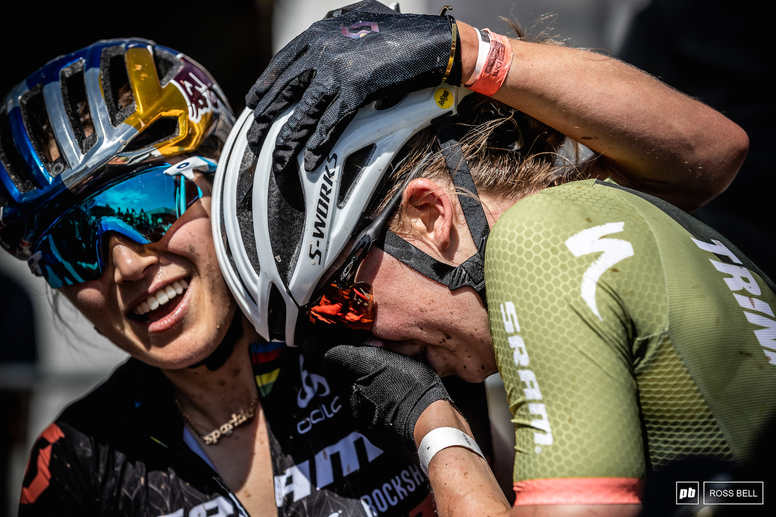 Kate Courtney was one of the first to congratulate Haley Batten on her ride to the podium.