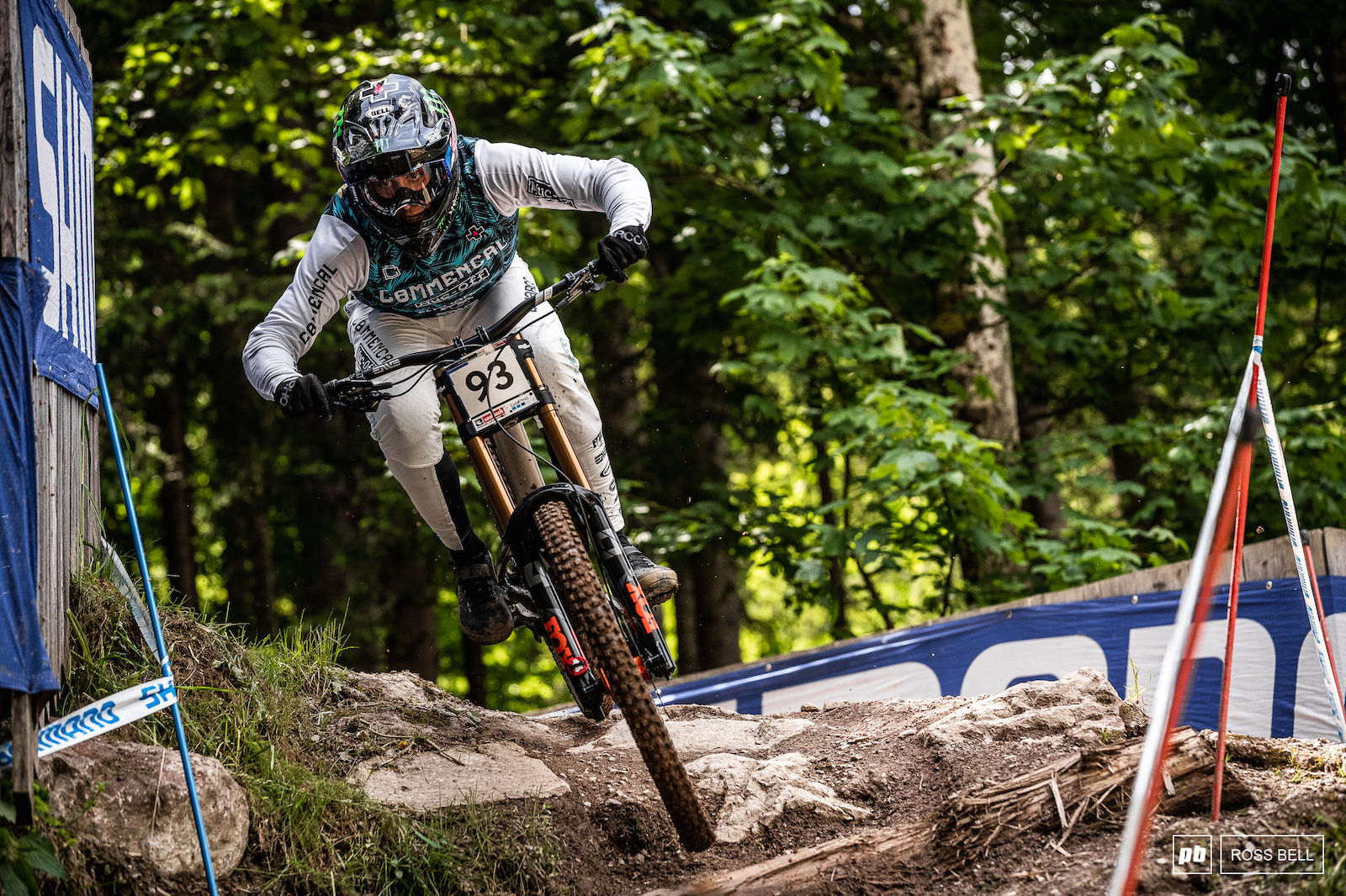It was great to see Amaury Pierron back between the World Cup tape. He didn t need long to get up to speed and took third place today.