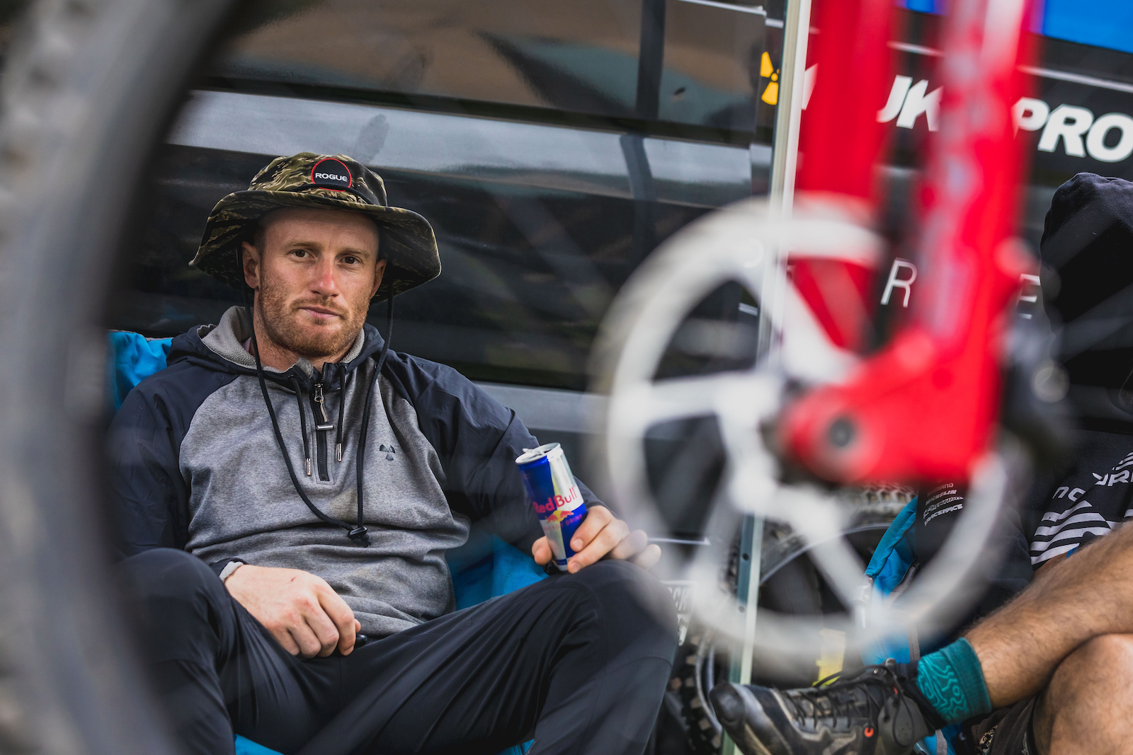 Adam Brayton Relaxing in the Pit s a familuer site with the long wind delays today.