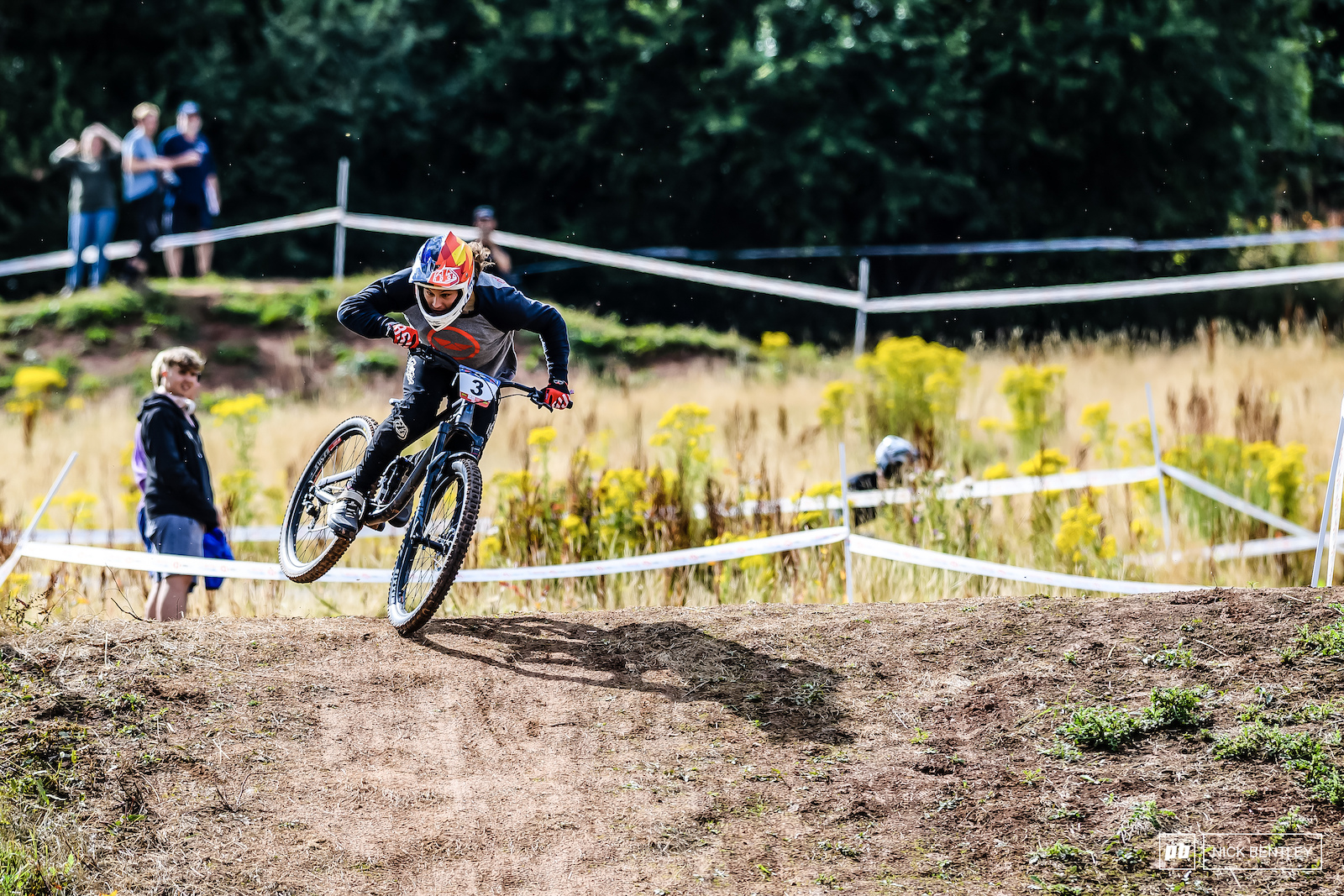 Not the ideal weekend for Dan Wagstaff with the Forest of Dean local braking his chain straight out of the gate during seeding and failing to qualify for the senior men s race. Fortunately for Dana he was still able to race in the open fun class and have some fun sending it sideways all day