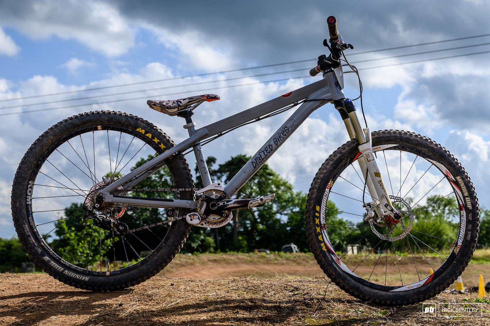 Simon Rickett s Dialled Bikes Hotrod