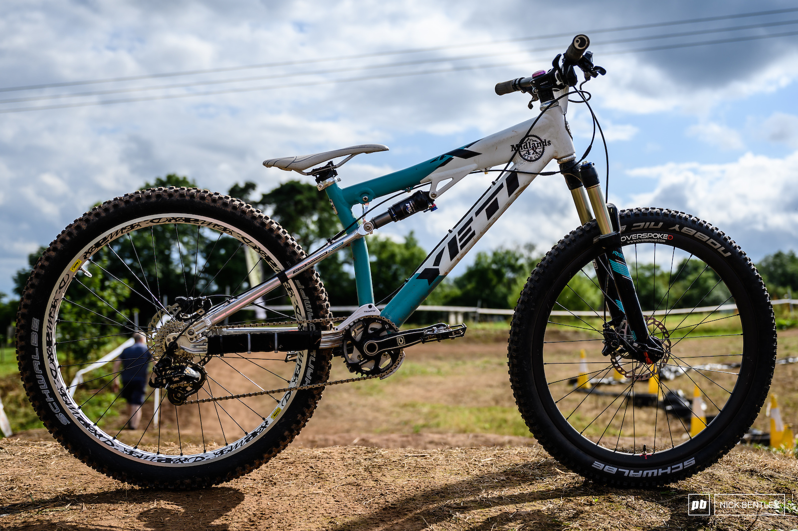 Hannah Escott s Yeti 4X Both wheels are 26 inch just a weird perspective in the photograph