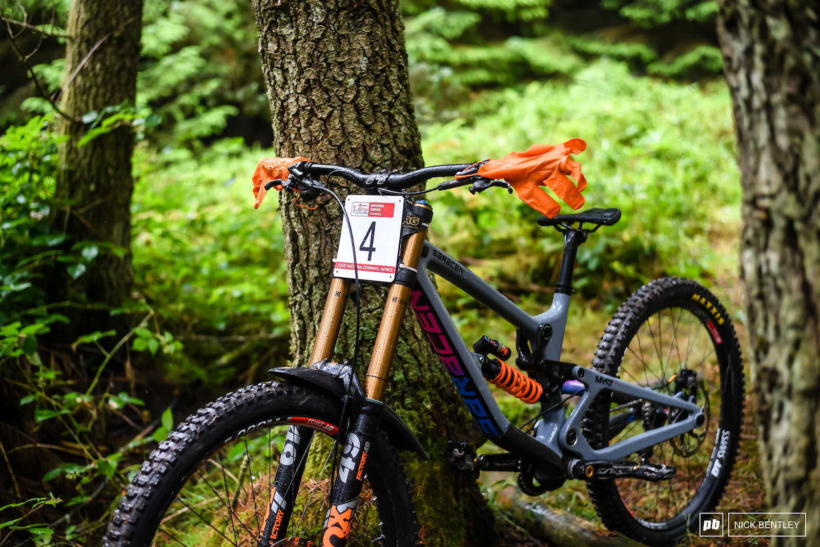 Riley Scott s Saracen Myst is hanging out waiting for elite seeding to start a smart idea in the rain to cover your grips and keep them dry. The gloves even match the fox orange