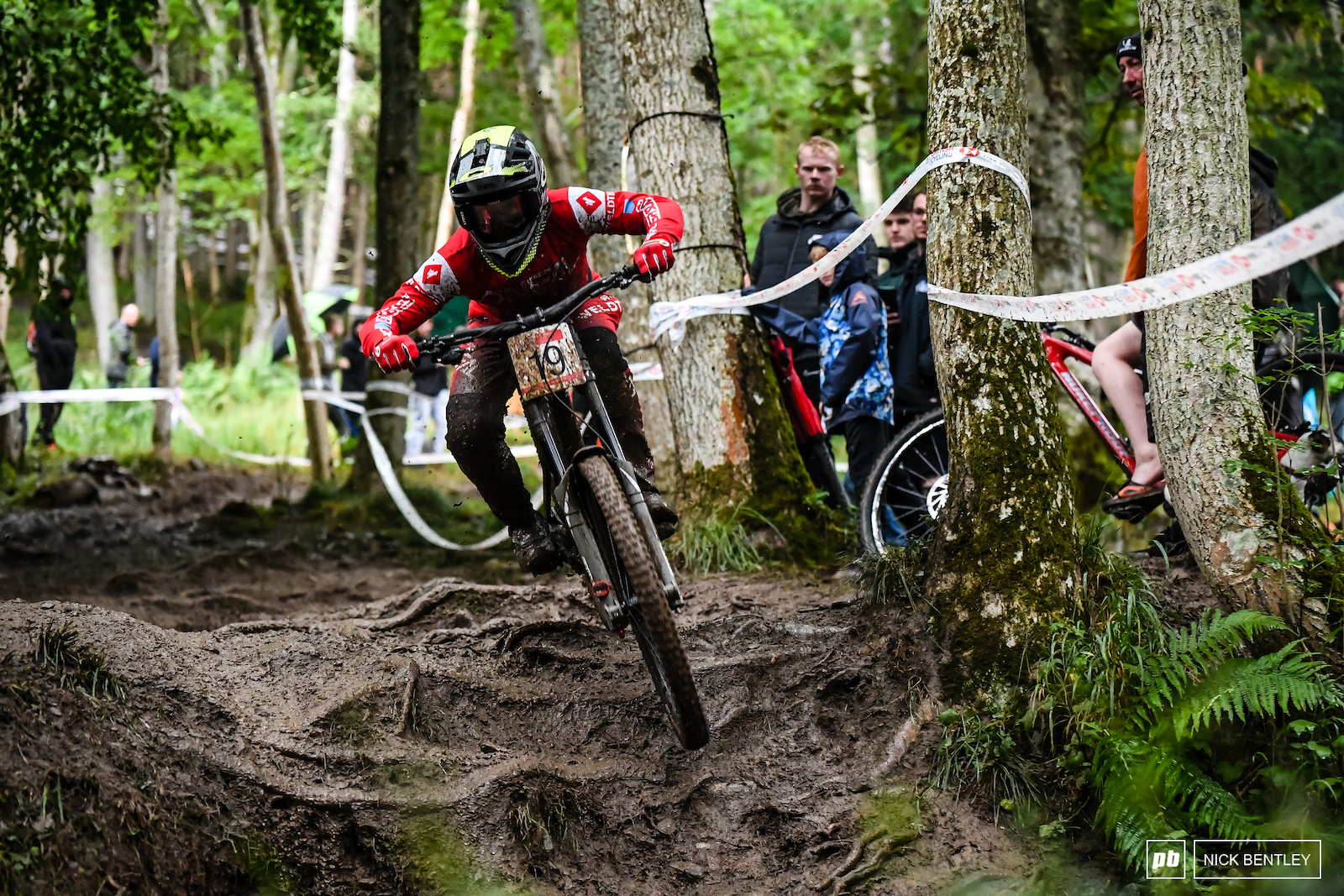 Speaking Of World Cup Riders here s another one Roger Vieira is on fine in the British Series he is not only leading the Championship but he also took the win this week at Innerleithen.