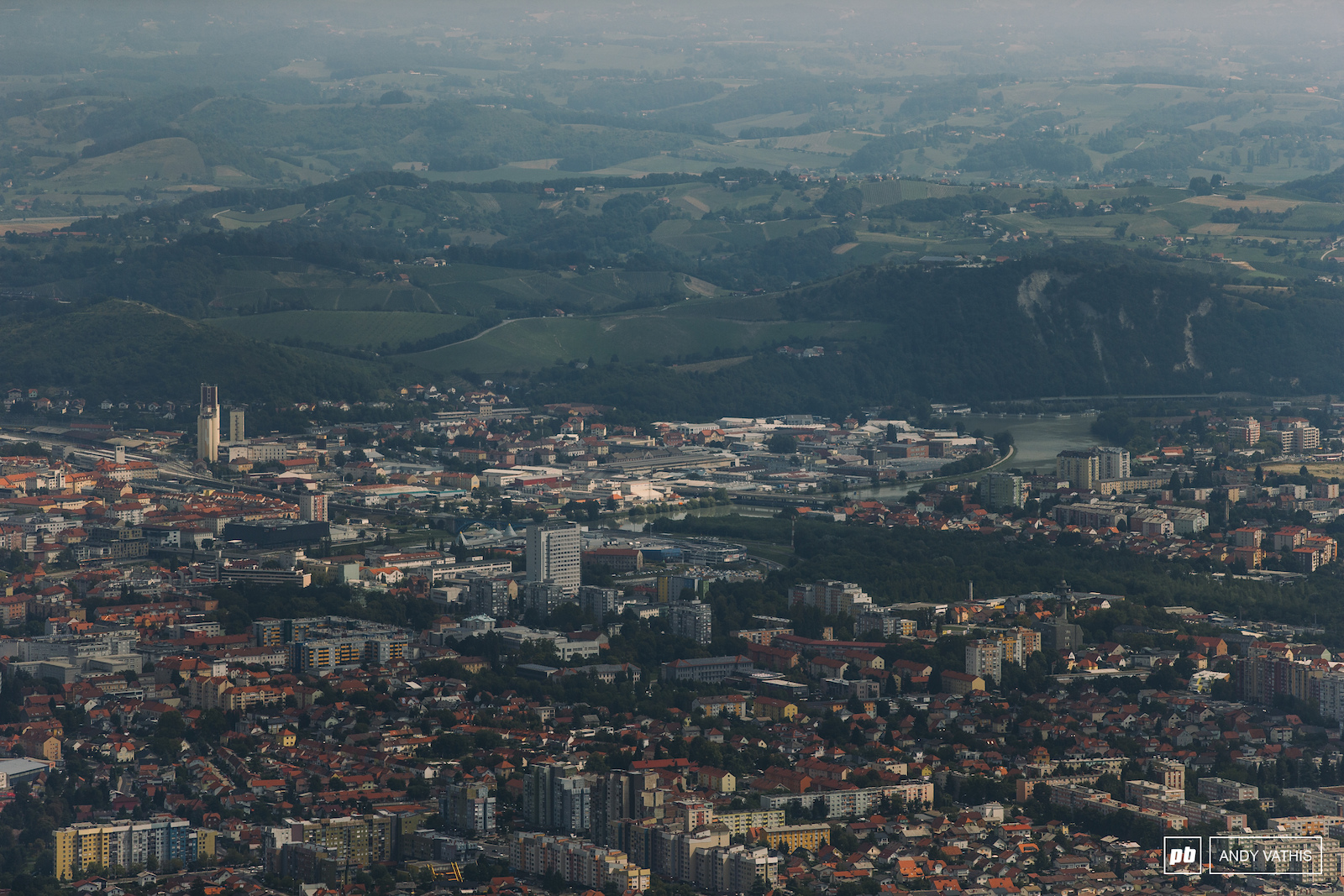 It is very warm in Maribor this time around. Arguably the hottest and dustiest World Cup we ve had in a few years.