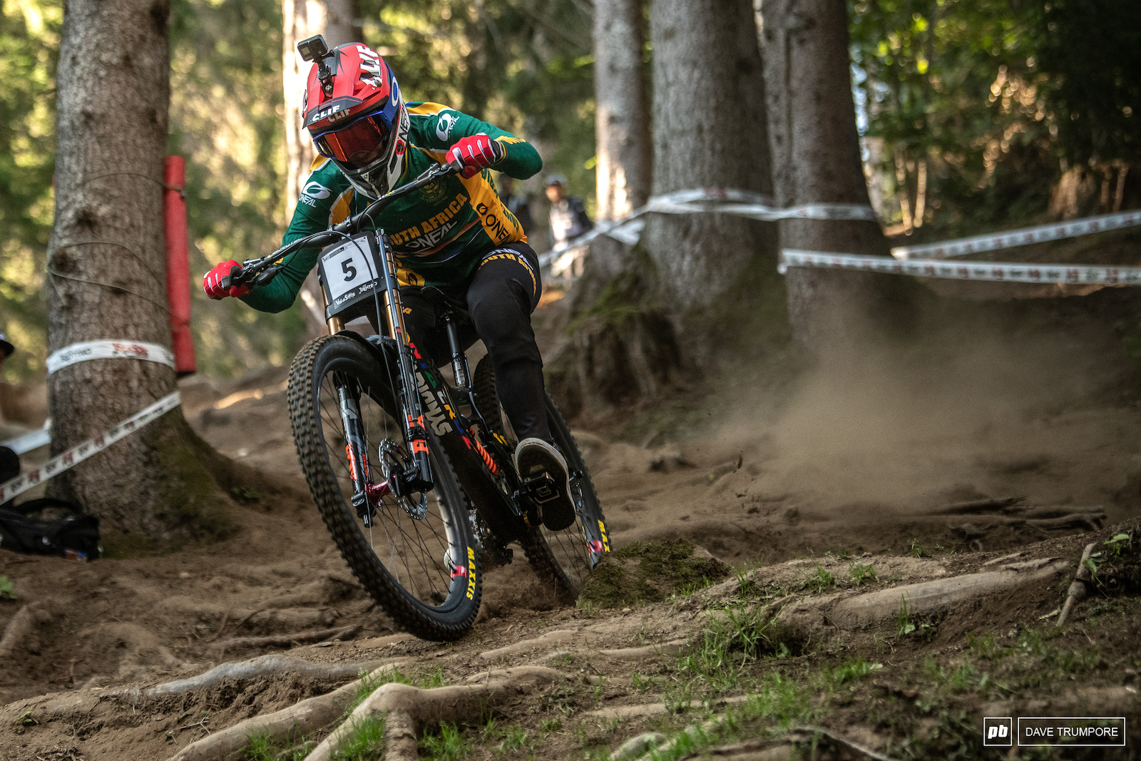 Greg Minnaar is a man on a mission here. 40 years old and just 1.5 seconds back in 4th