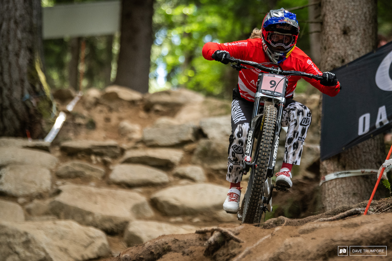 Vali Holl on top once again in qualifying. But can she keep it together when it counts in the final Grabbing the rainbow stripes sure would be a great way to take her first elite win