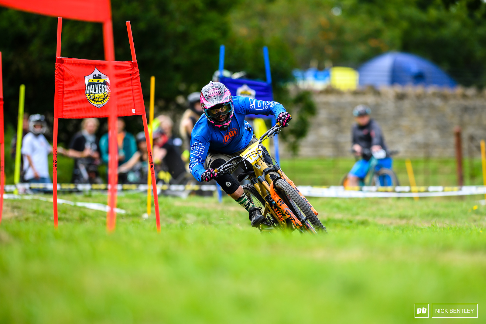 Dual Slalom pushes your tyres to the limit