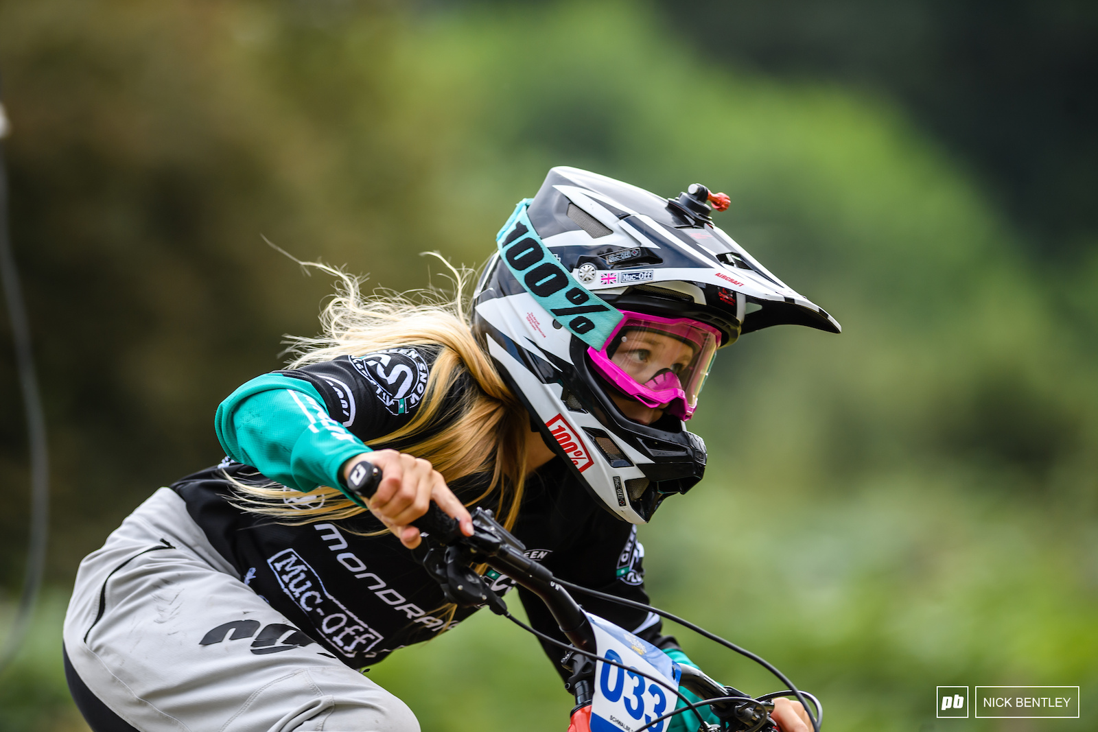 Olivia Taylor taking the win in the Female Rippers field