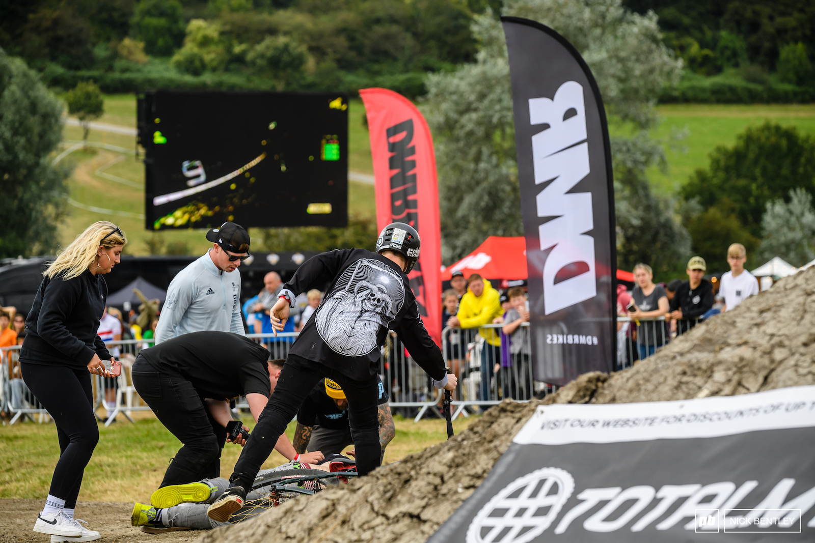 Unfortunately it was a rough day at The Malverns for injuries with some big crashes in multiple races culminating in this big slam for Fin Evans. With medical crews dealing with Fin and the other incidents there was an early end to the DirtWars competition. We wish Fin a speedy recovery.