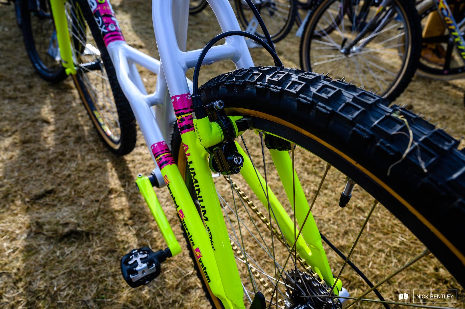 Yes those are original Alpinestars tyres