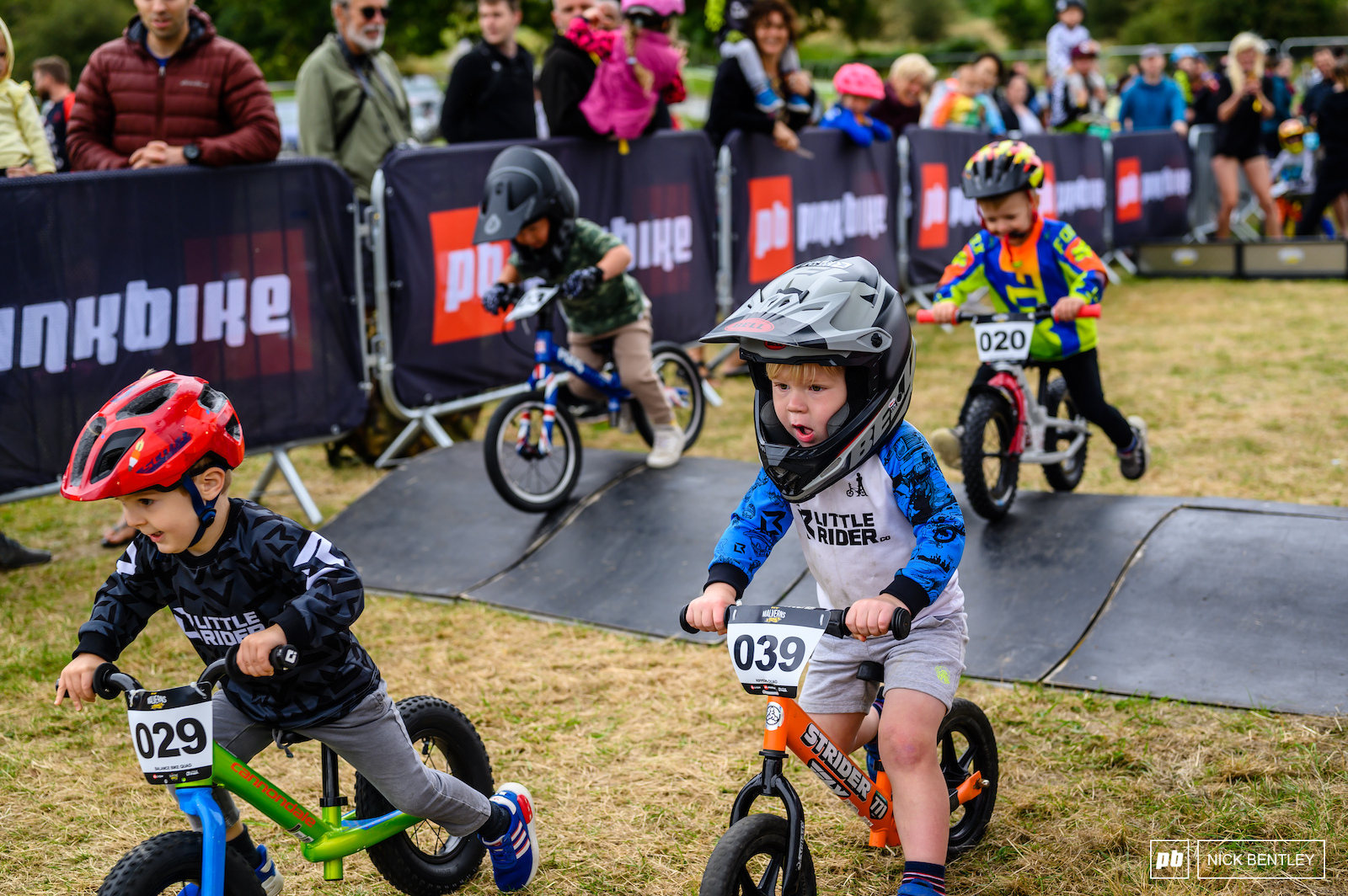 There were some close races in the balance bike 4X