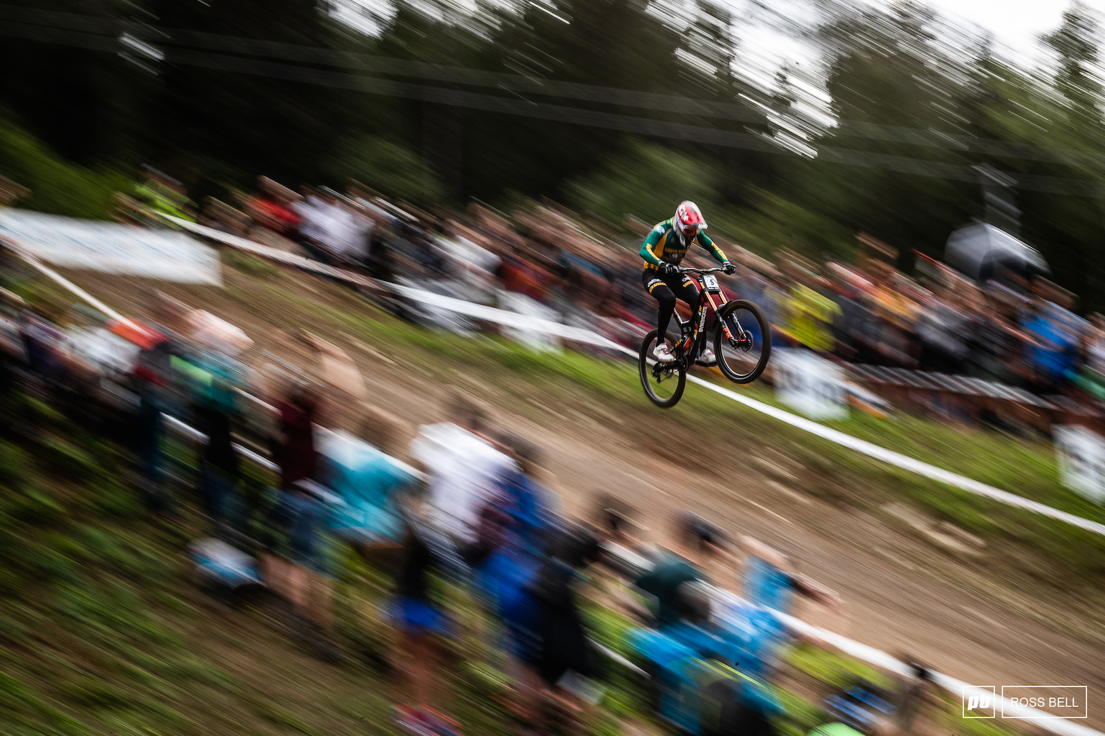 Greg Minnaar launches his way into the finish arena on route to the World title.